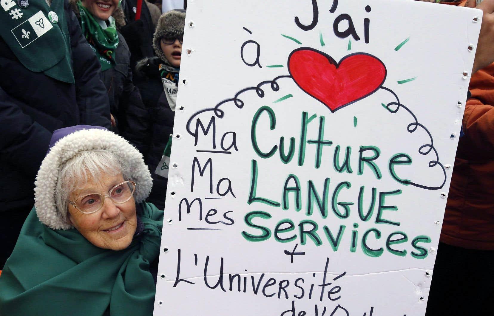 Le 1erdécembre, des Franco-Ontariens ont manifesté à Ottawa pour faire valoir leurs droits. Les récits collectifs des Franco-Canadiens varient d'un côté à l'autre de la rivière des Outaouais.