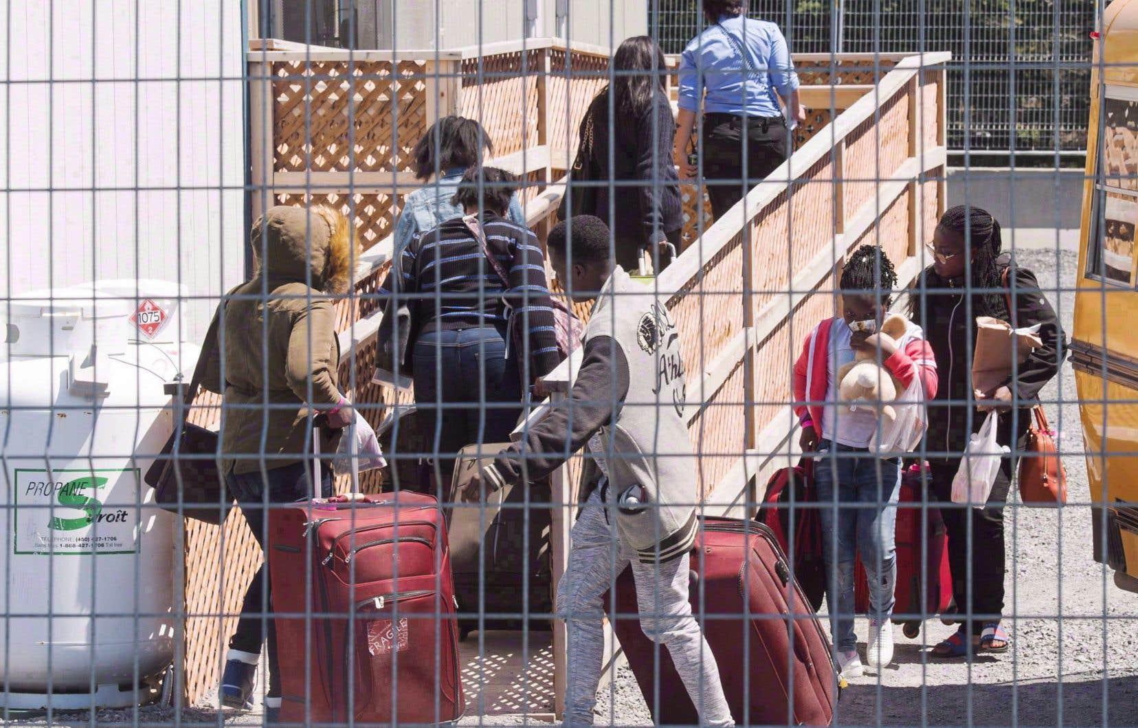 L'afflux de migrants irréguliers au cours des deux dernières années a entraîné un arriéré de demandes d'asile à la Commission de l'immigration et du statut de réfugié.