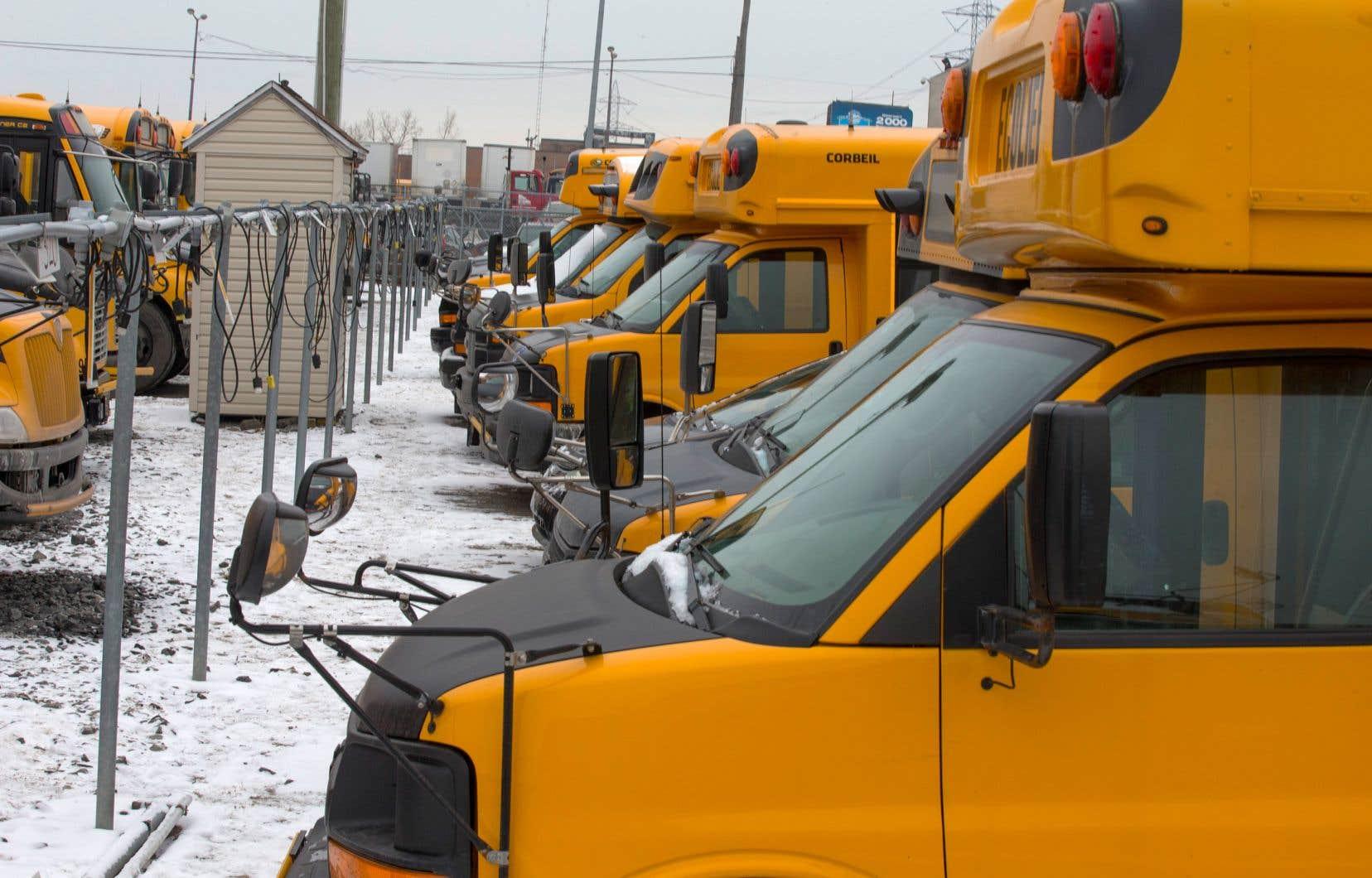Près de six élèves sur dix se déplacent en autobus jaune à Laval.