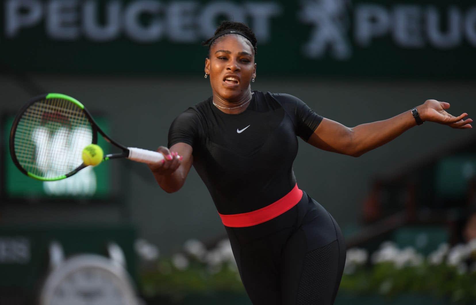 Serena Williams avait aussi été au centre d'une polémique à Roland-Garros autour de sa combinaison moulante noire.