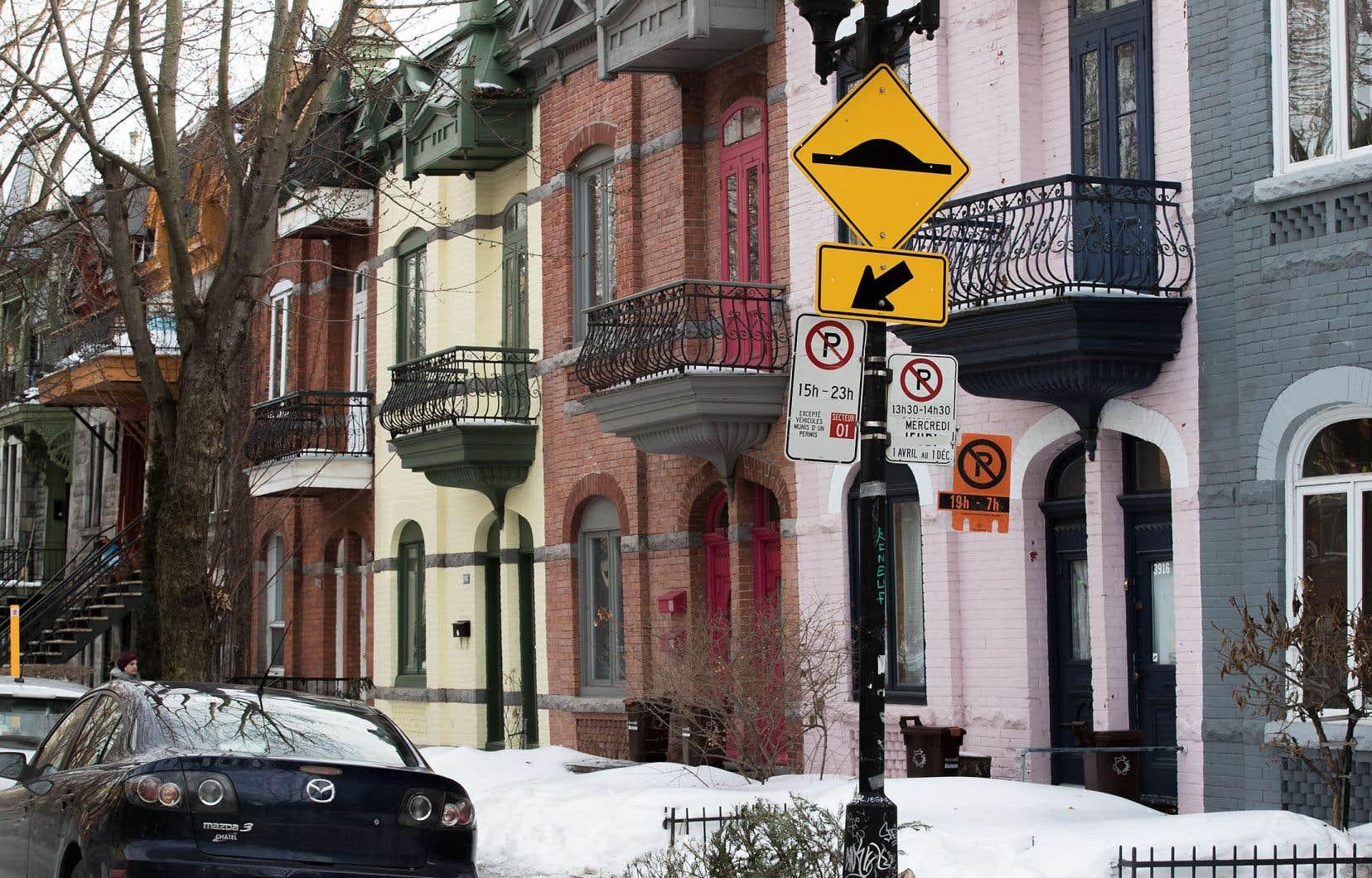 Malgré des ventes plus fortes que prévu au Québec, l'Association canadienne de l'immeuble s'attend à ce que les ventes résidentielles à l'échelle canadienne baissent de 11,2% cette année, à 458200 propriétés.