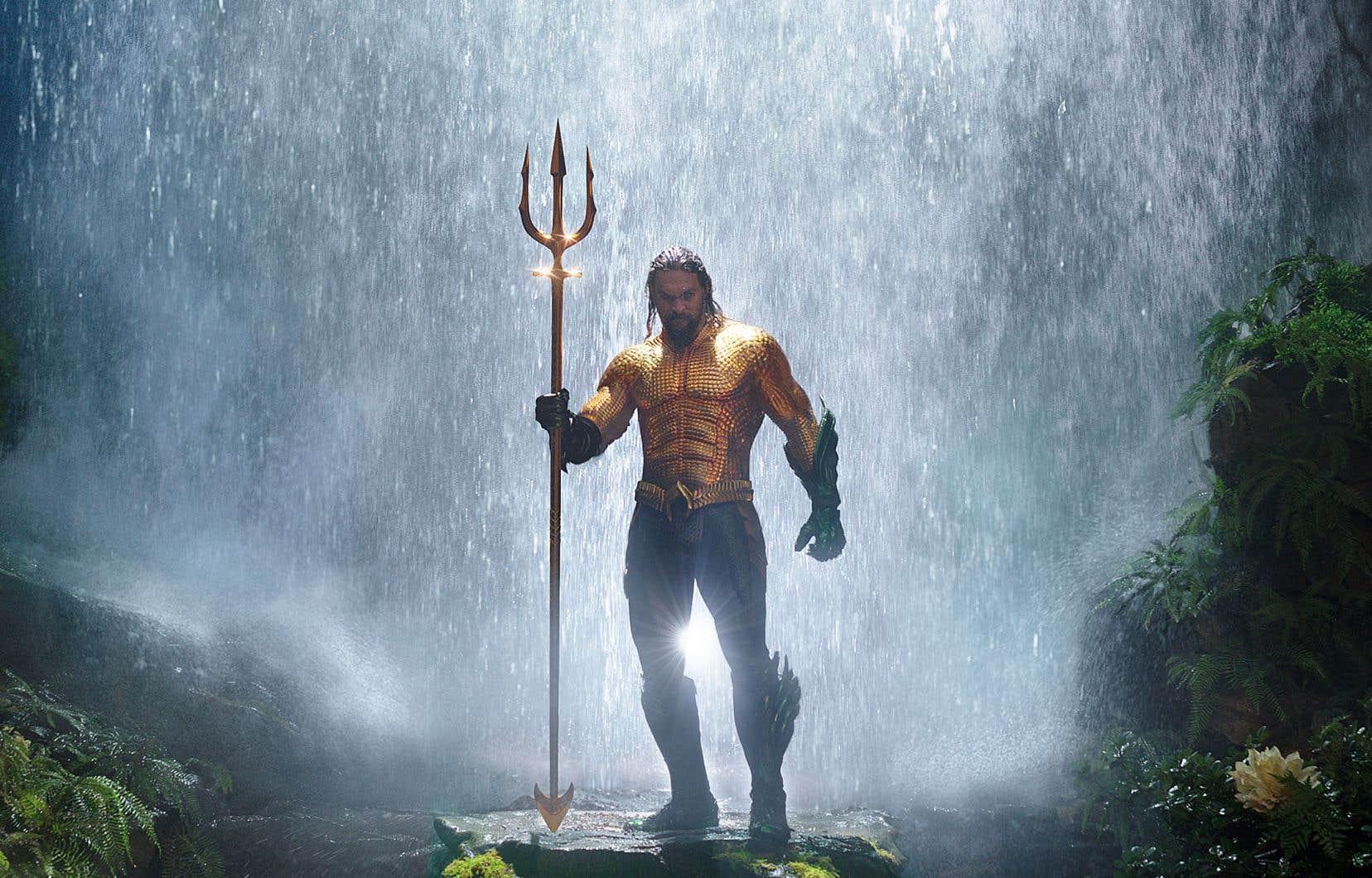 Aquaman, interprété par Jason Momoa, doit retrouver un trident magique.