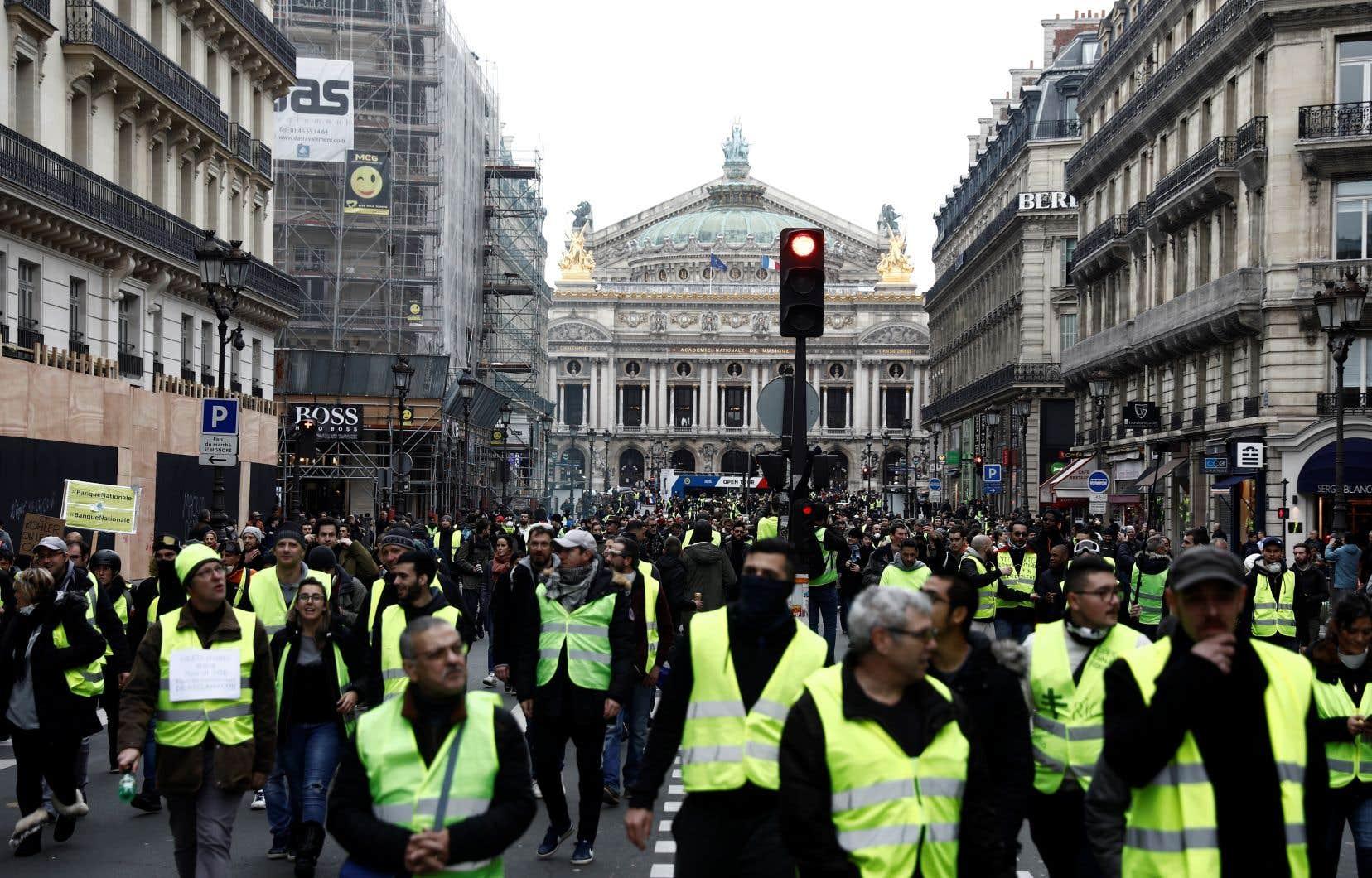 Le nouveau samedi de manifestation, promis par les «gilets jaunes» français les plus déterminés, ne rassemblait que peu de monde en milieu de journée.