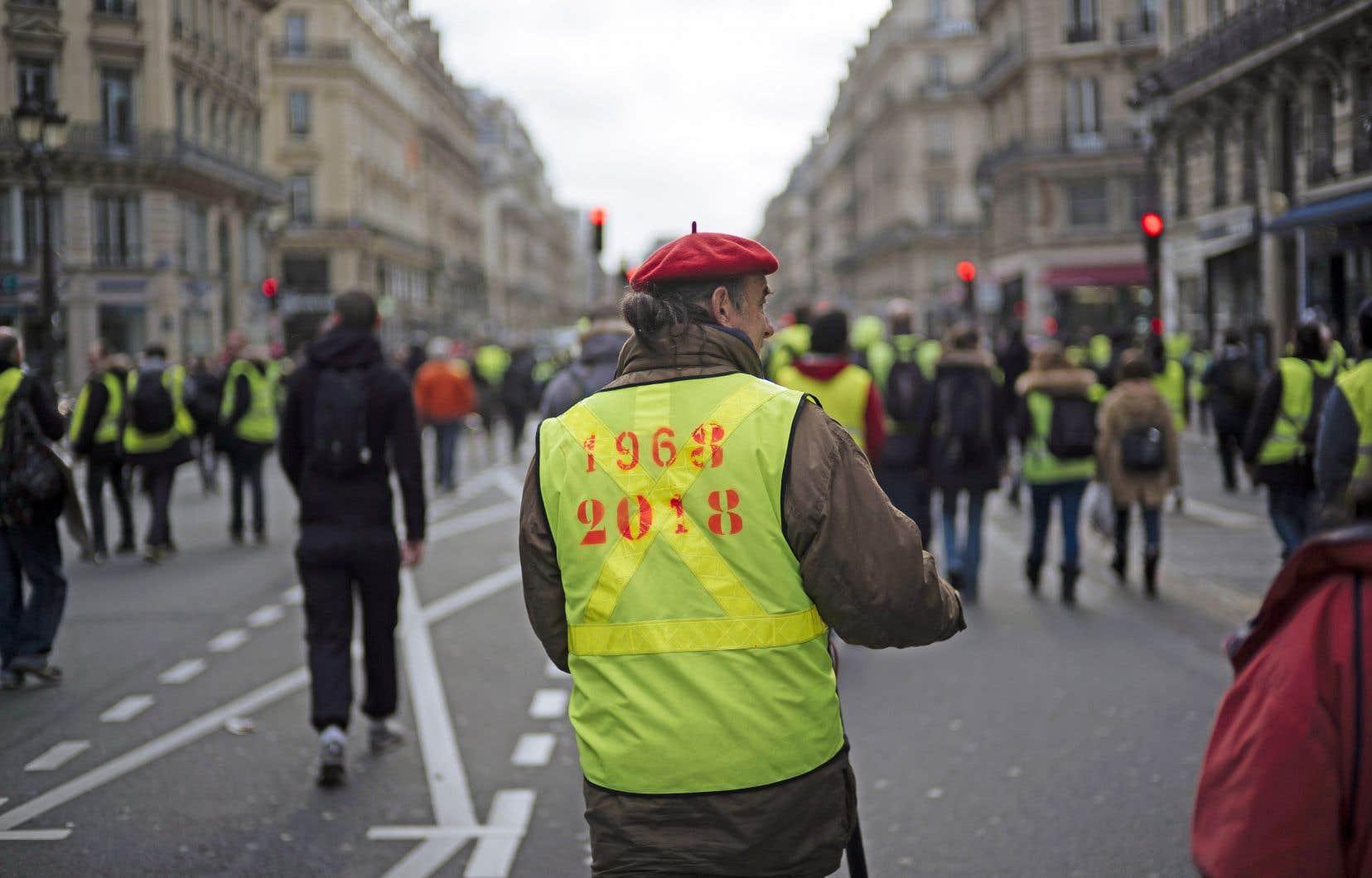 Plusieurs croient que le référendum d'initiative citoyenne serait une façon de combler le fossé grandissant qu'a révélé la révolte des gilets jaunes entre les élites et les classes populaires.