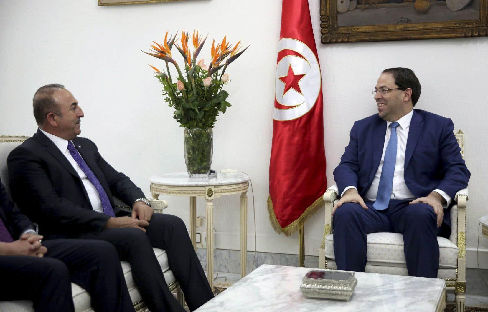 Durant une visite en Tunisie, le ministre turc des Affaires étrangères, Mevlut Cavusoglu, a affirmé que le gouvernement turc poursuivait «activement» son enquête sur cette affaire.