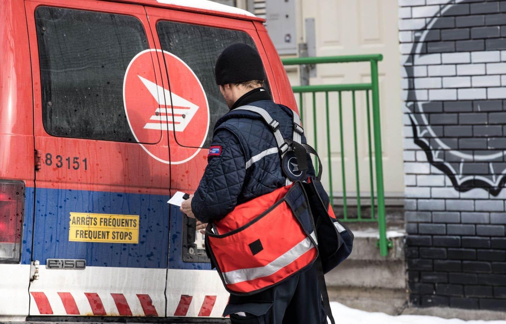À la fin du mois de novembre, Postes Canada a annoncé qu'elle s'attendait conclure son exercice financier avec un déficit.