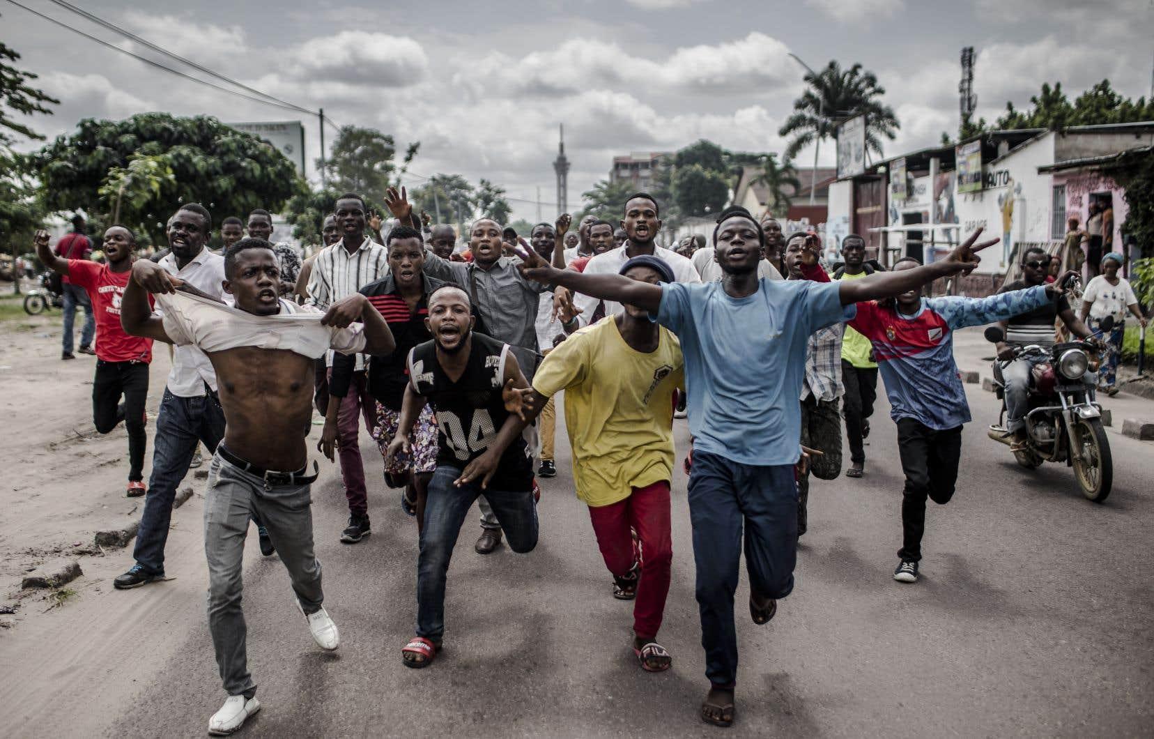 Des partisans de l'Union pour la démocratie et le progrès social (UDPS) lors d'une manifestation à Kinshasa, la semaine dernière