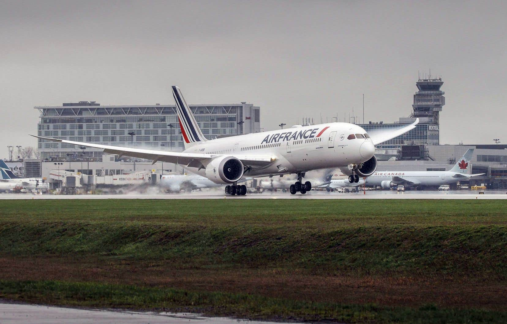 Les scientifiques ont mesuré dix fois plus de particules sur le tarmac de l'aéroport Montréal-Trudeau qu'à l'entrée des départs de l'aérogare.