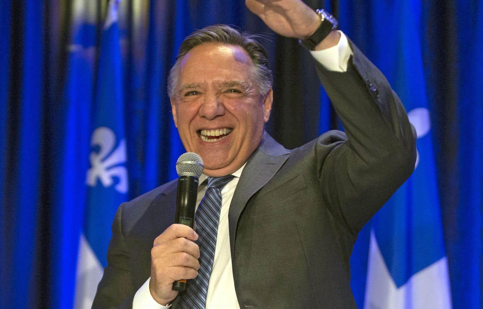 François Legault n'aurait pu rêver d'un meilleur résultat électoral: avec 37% du vote, son parti a remporté 60% des sièges.