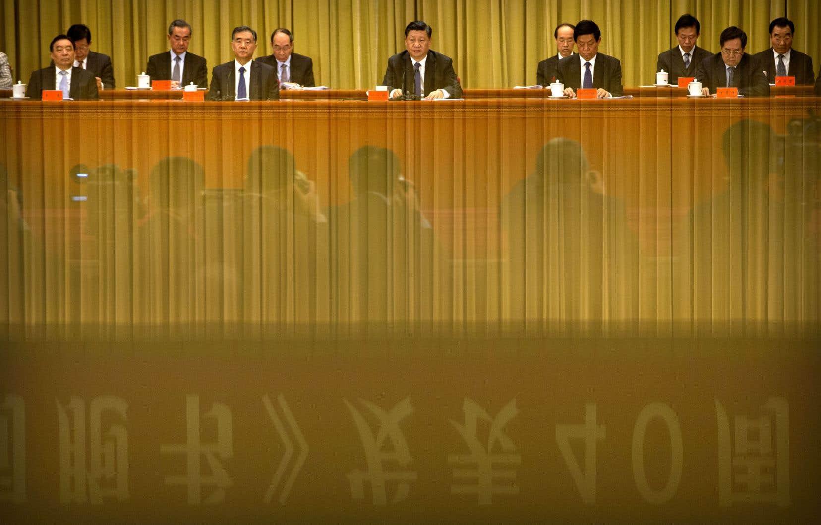 L'unification de Taïwan avec le continent est «inévitable», a déclaré le président Xi Jinping, mettant en garde contre toute tentative de promotion de l'indépendance de l'île et affirmant que la Chine ne renoncerait pas à l'option de la force militaire.