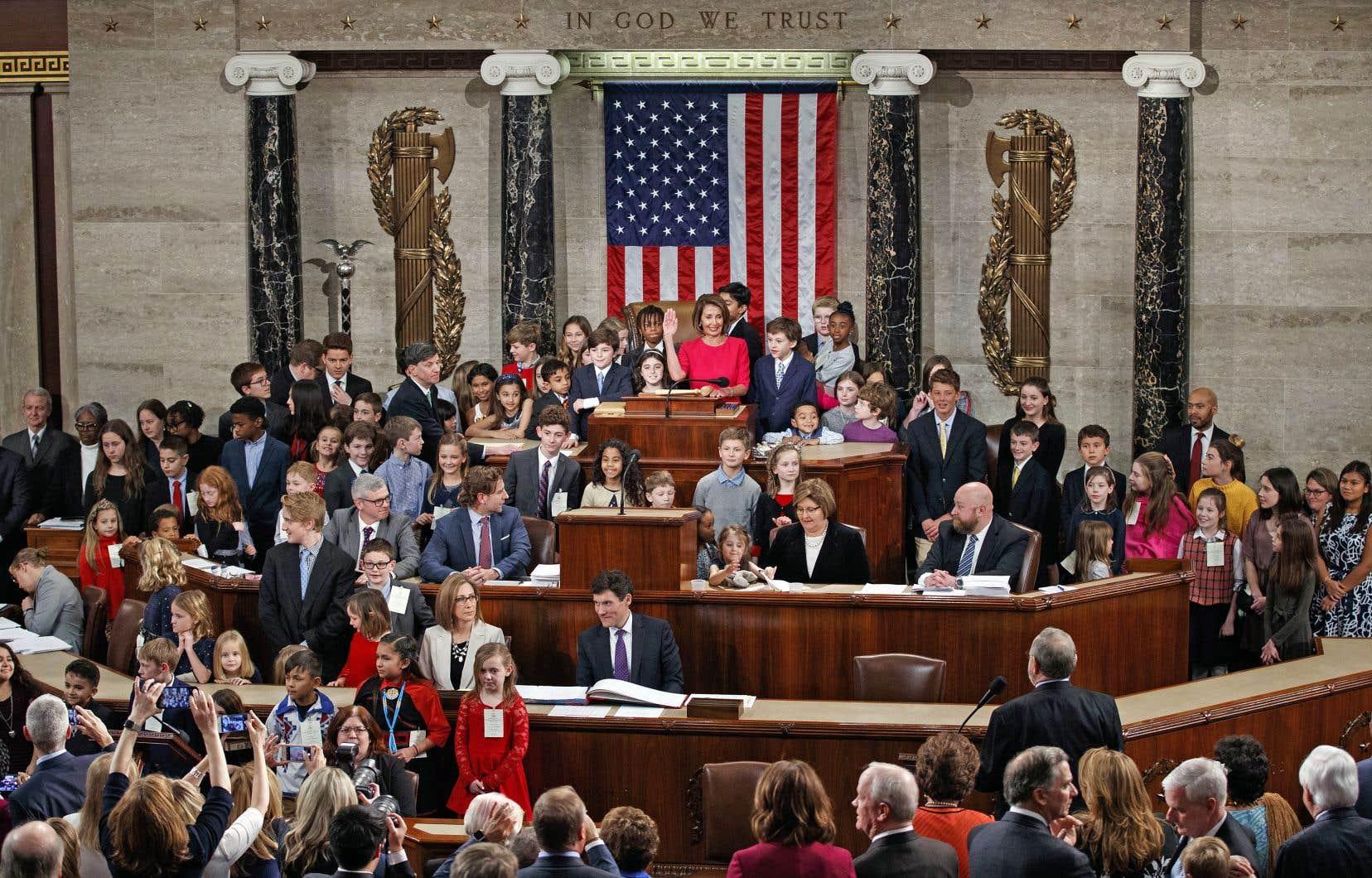 Entourée de ses enfants et de ses petits-enfants, Nancy Pelosi a prêté serment jeudi pour devenir «Speaker» de la Chambre des représentants à Washington.