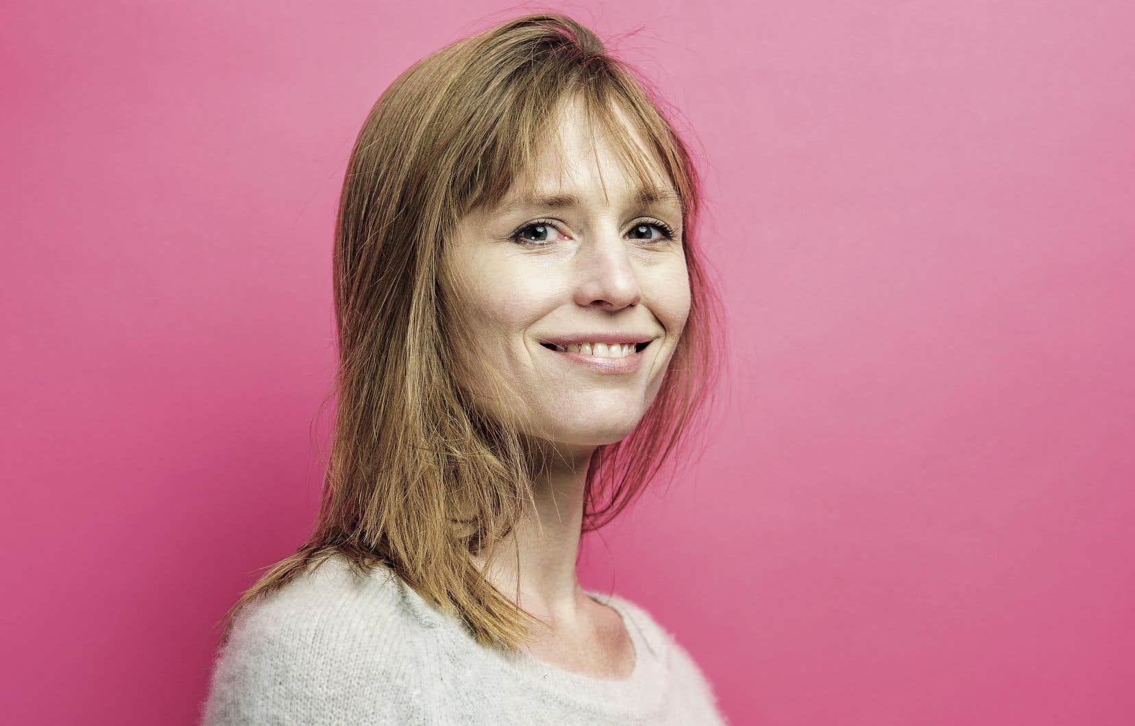 L'auteure belge Adeline Dieudonné se révèle une habile créatrice d'ambiance.
