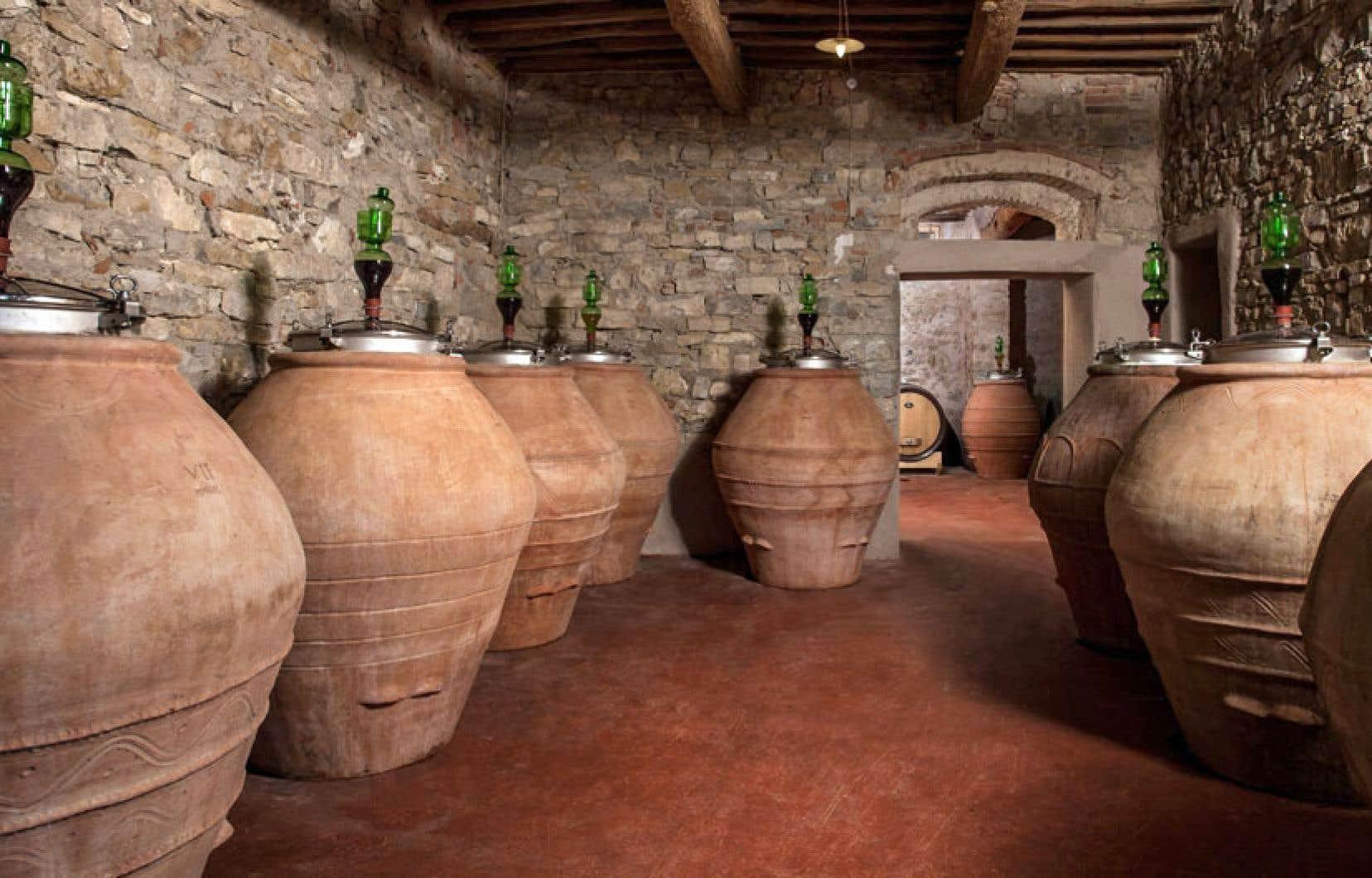 Les amphores sont encore utilisées de nos jours pour faire vieillir le vin.