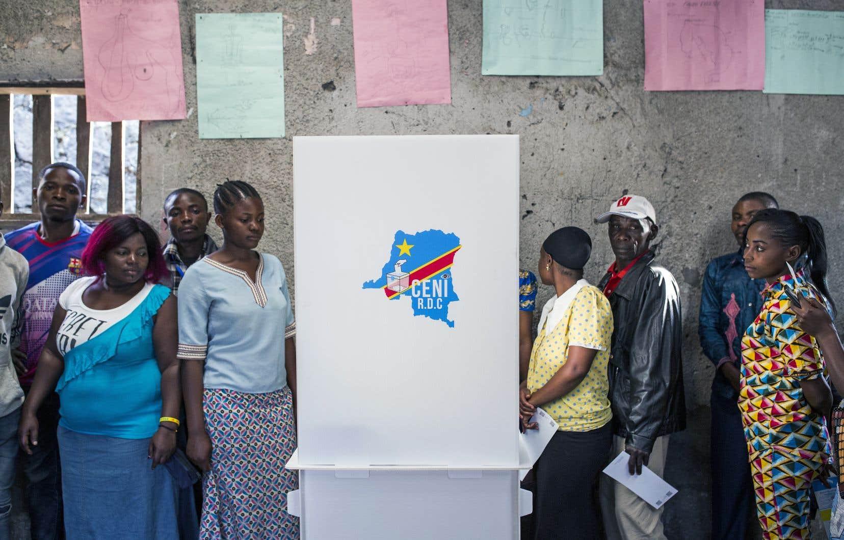 Des votants attendaient leur tour, à Goma, dimanche dernier.