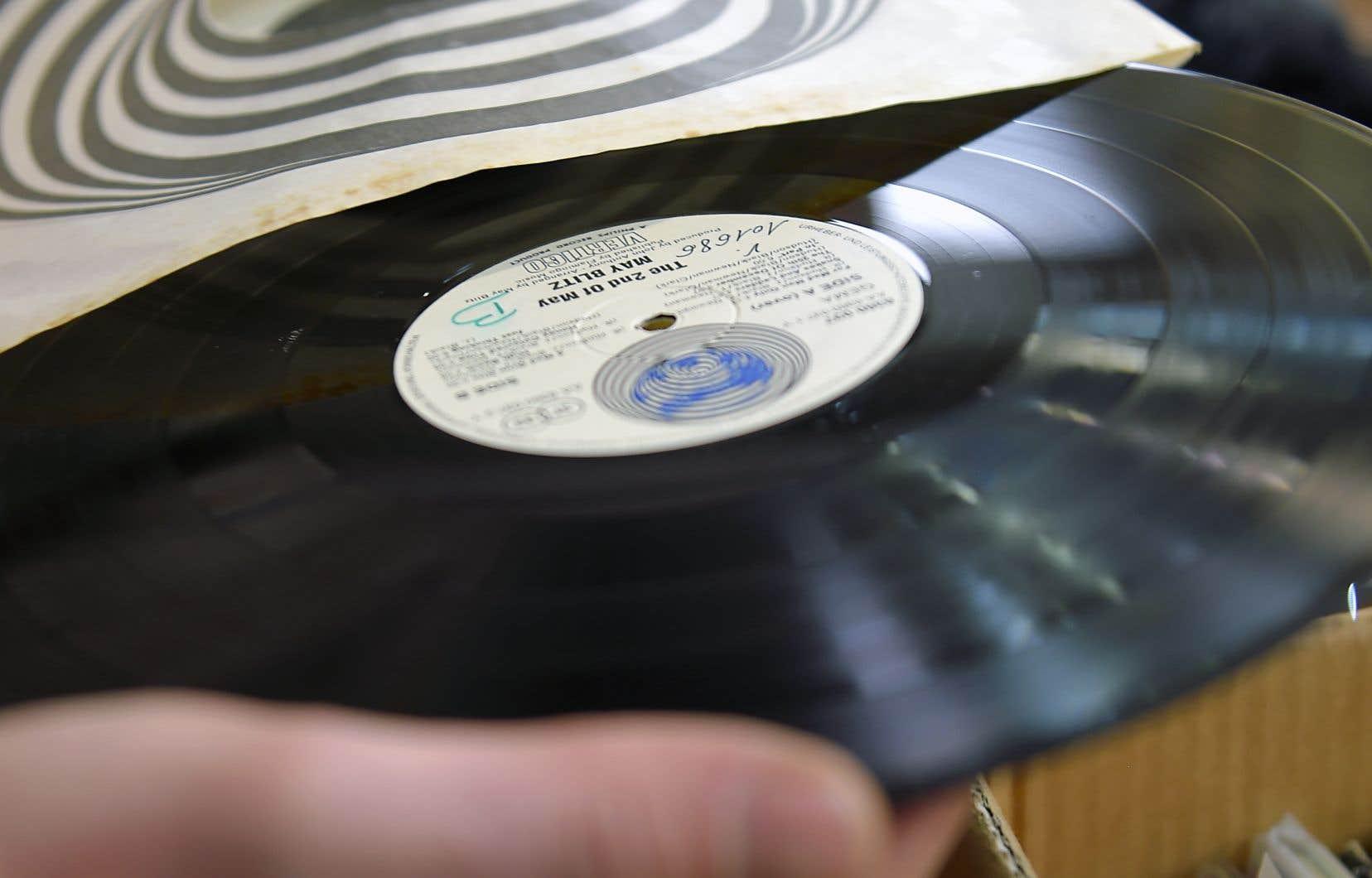 La fin de 2018 a vu se superposer deux nouvelles contradictoires dans le monde des disquaires qui chérissent le format vinyle.