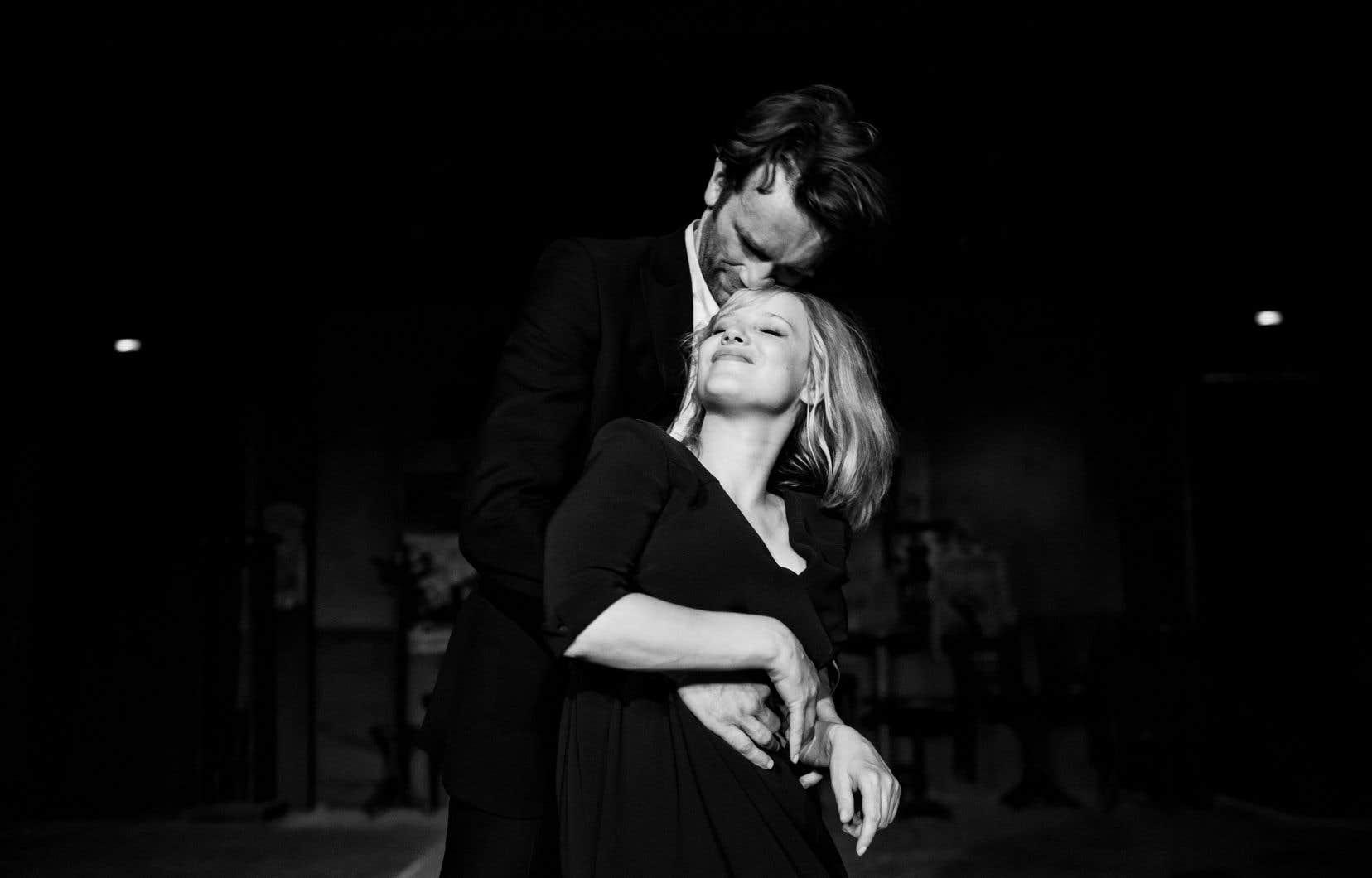 Tomasz Kot et Joanna Kulig forment un couple maudit incandescent, lui tout de feu contenu, et elle toute d'explosive pétulance.