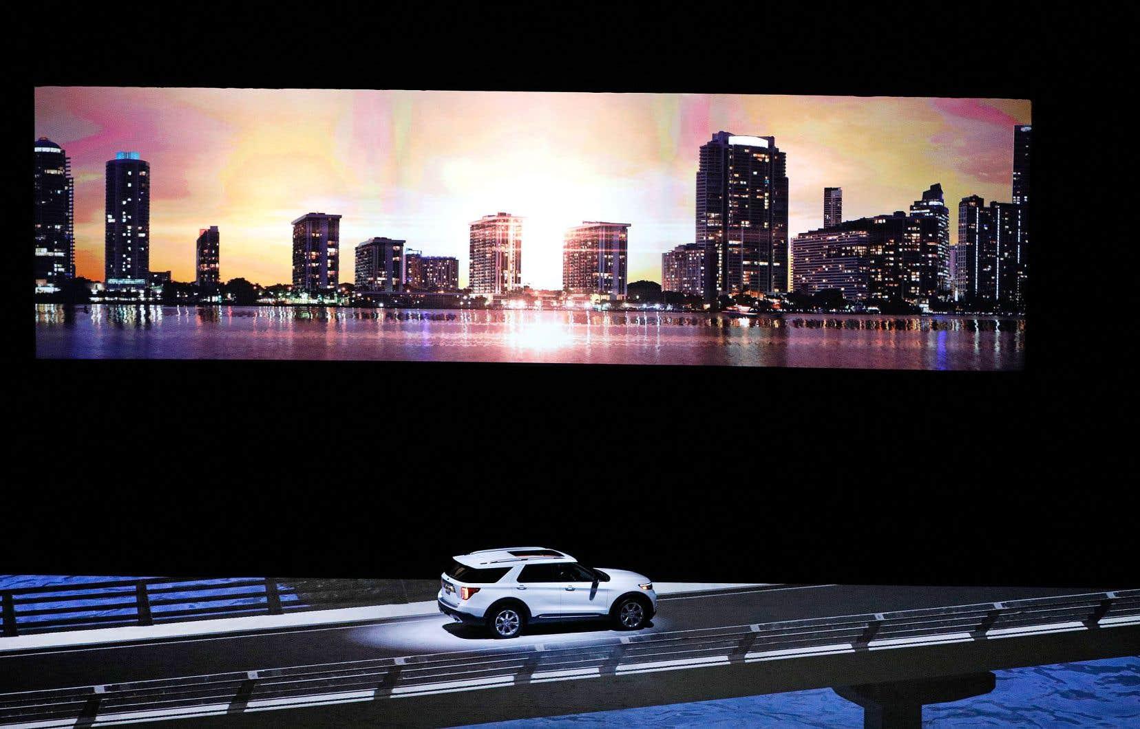 Le salon de Detroit ouvrira ses portes alors que les subventions fédérales accordées aux voitures électriques ont fortement diminué, que GM et Ford sont en pleine restructuration et que le niveau très élevé des stocks de Fiat Chrysler inquiète les marchés financiers.
