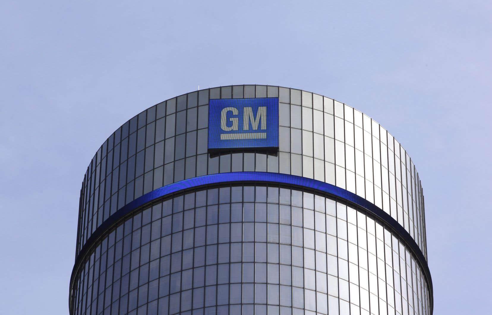L'industrie automobile traverse sa période la plus difficile depuis la Grande Récession, durant laquelle les gouvernements avaient dû sauver GM et Chrysler de la faillite à coups de dizaines de milliards.