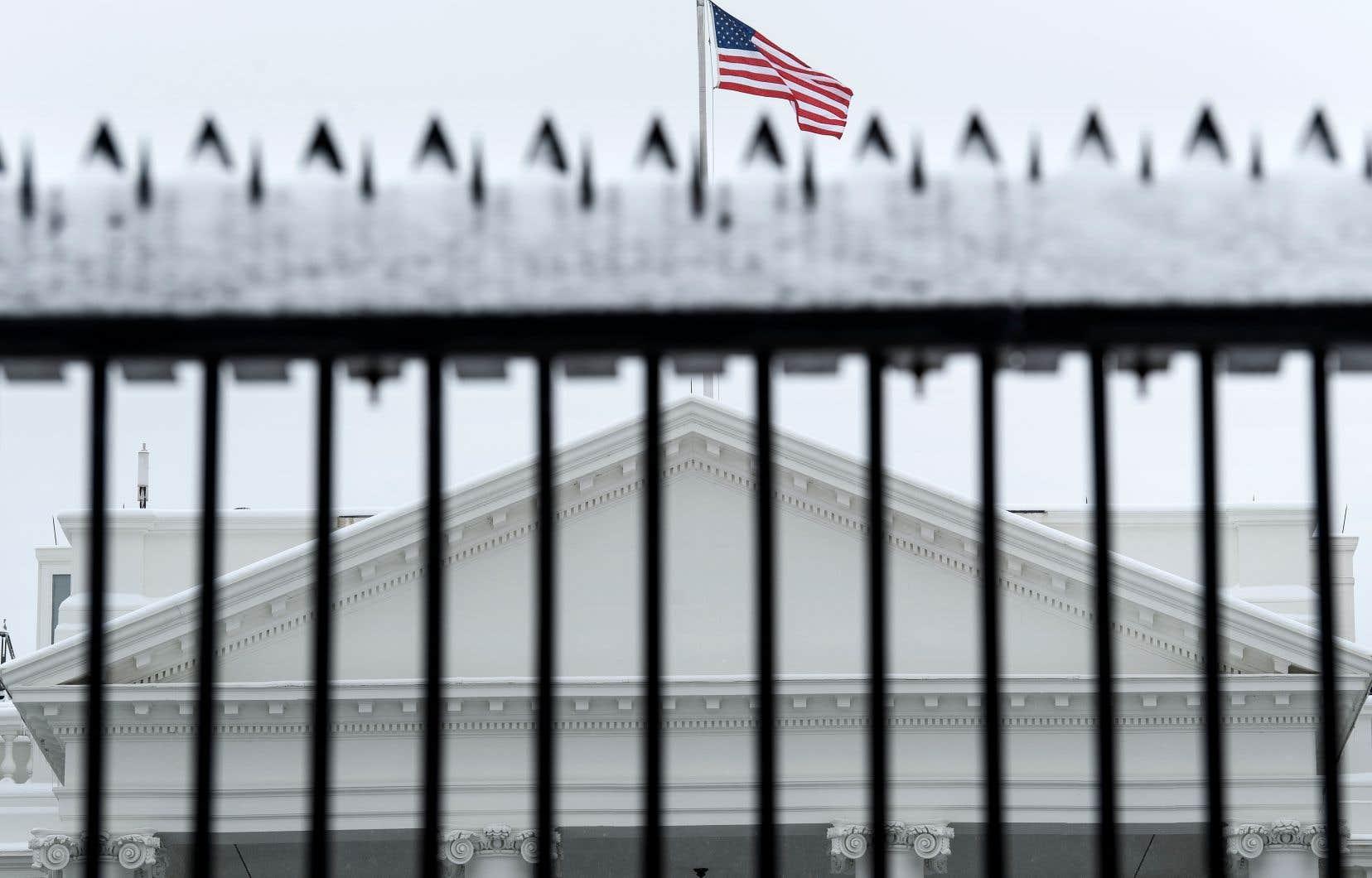 Au Congrès, aucun compromis ne pointe à l'horizon. Le Sénat a suspendu sa séance vendredi en début d'après-midi et ne devait pas se réunir de nouveau avant lundi.