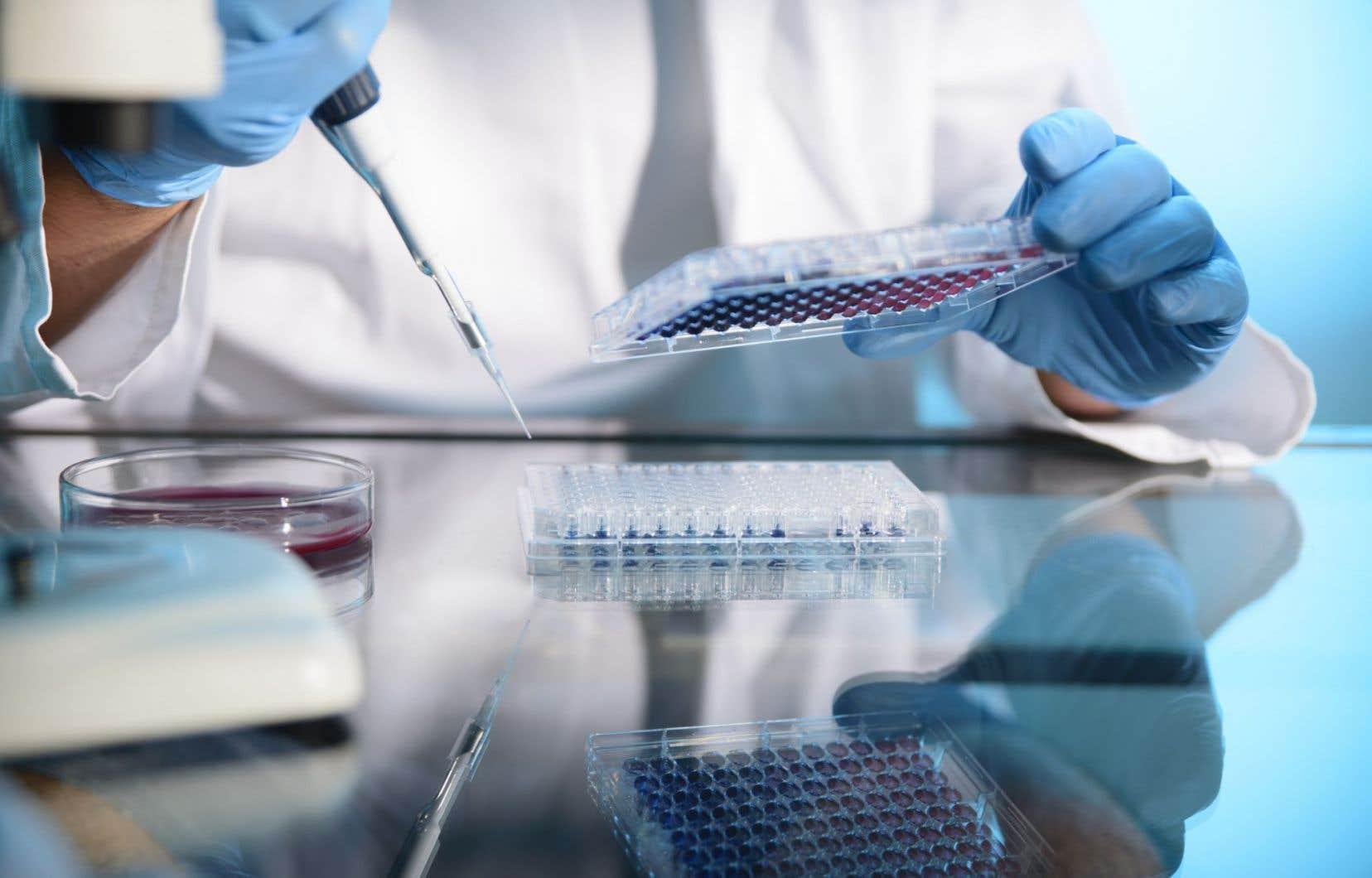 La profession médicale s'est dite en faveur de cette loi parce qu'elle s'inquiète que de plus en plus de patients refusent de passer des tests génétiques qui pourraient améliorer leurs traitements par crainte d'être ensuite inadmissibles à de l'assurance.