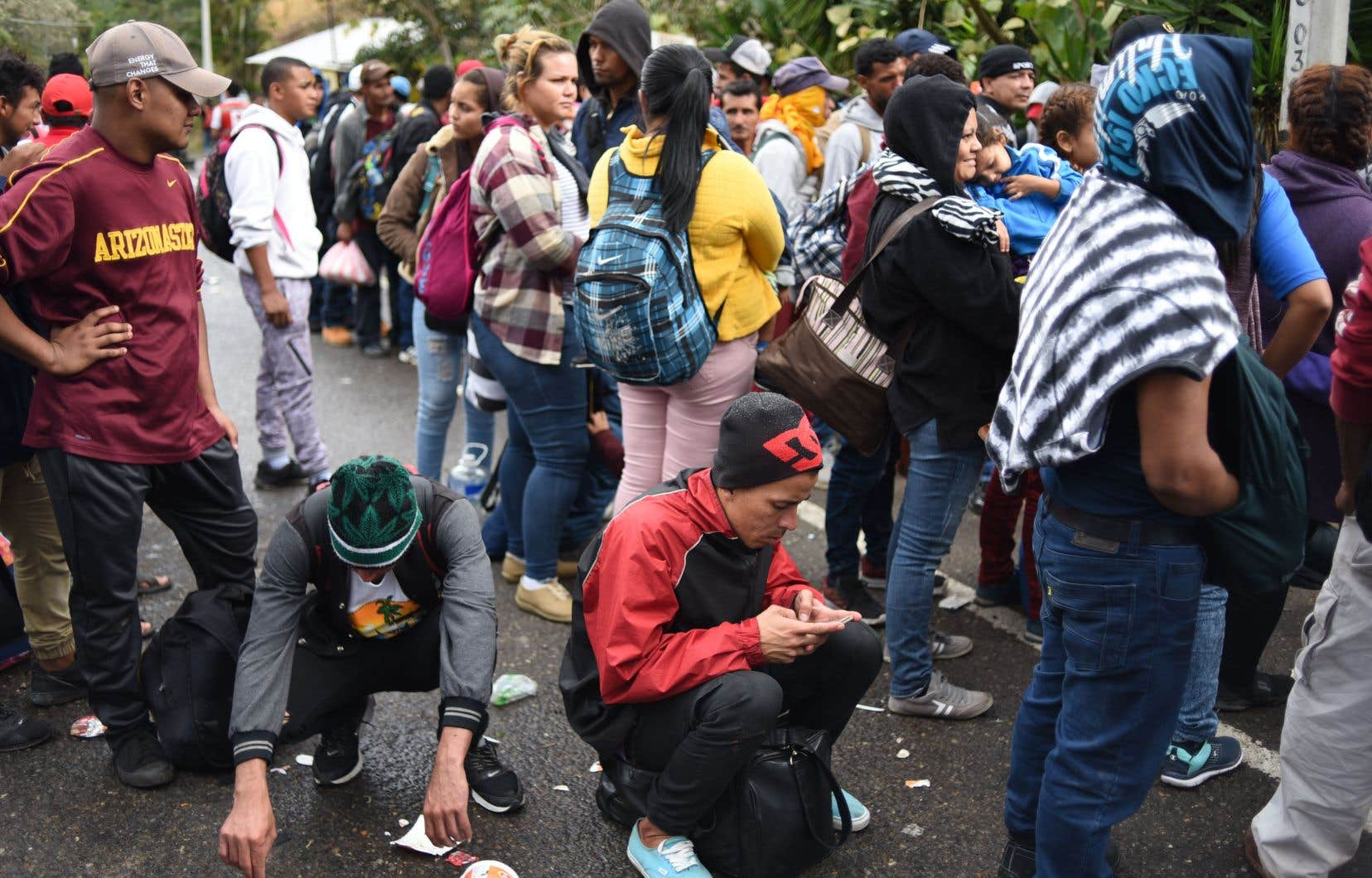 La colonne d'environ un millier de personnes, dont des enfants, était partie lundi et mardi de la deuxième ville du Honduras, San Pedro Sula.