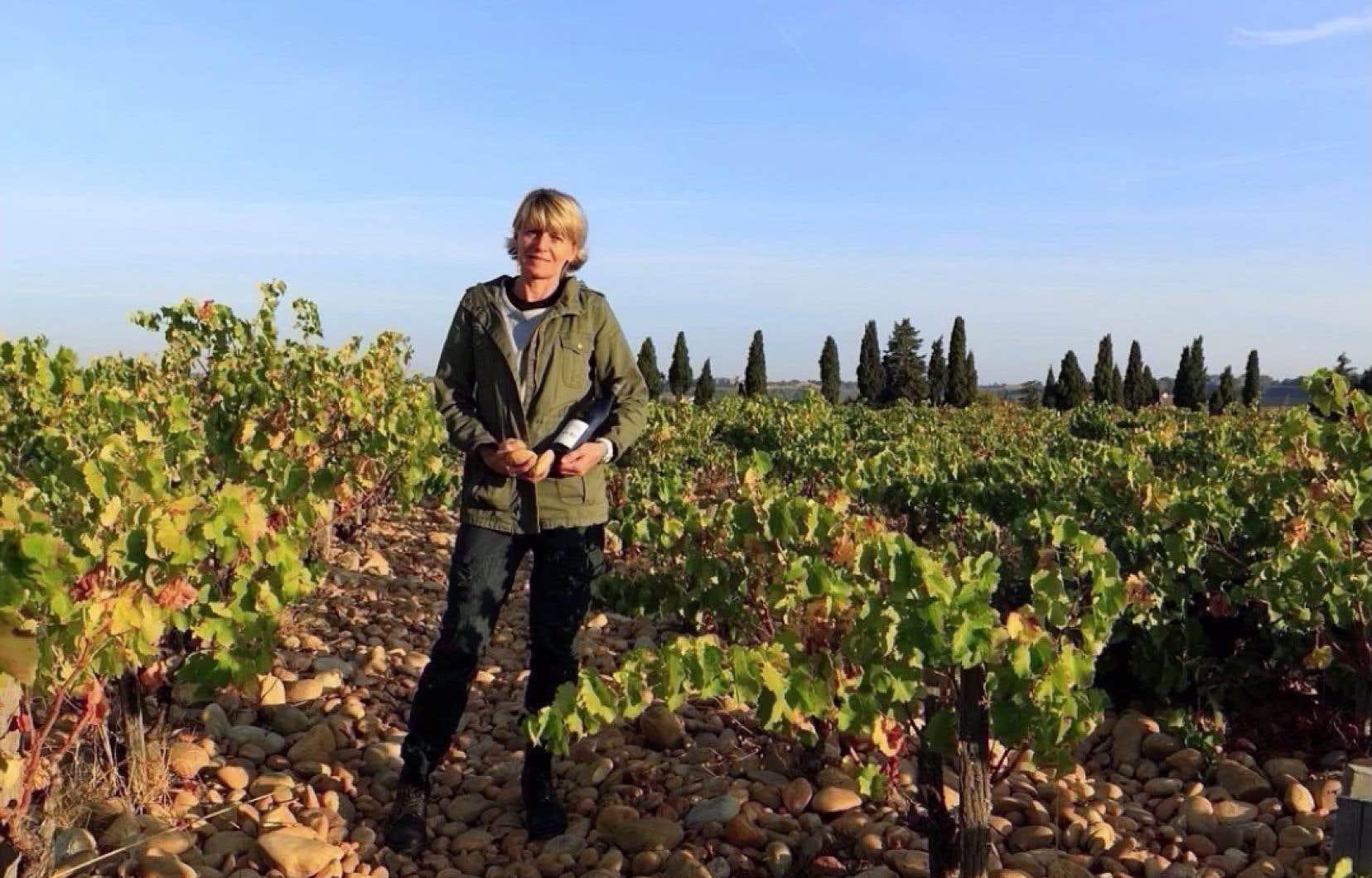 Pour Françoise Roumieux, des vignobles Mayard à Châteauneuf-du-Pape, le vin a été une évidence. Fille de vigneron, elle a repris le domaine familial en 1989 et le gère avec son frère et sa sœur.