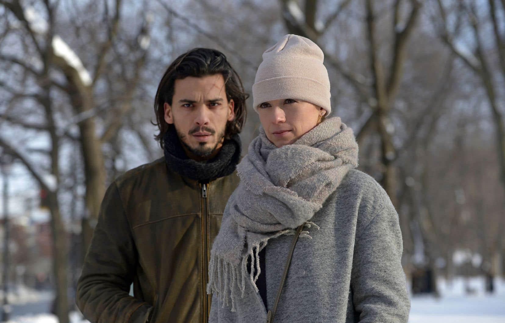 L'acteur français Tewfik Jallab, présent de bout en bout dans le rôle-titre, est complètement crédible. Chargée de composer non pas un, mais deux personnages légèrement différents, Karine Vanasse affiche pour sa part, d'un côté, une retenue intrigante et, de l'autre, une suggestivité fascinante.