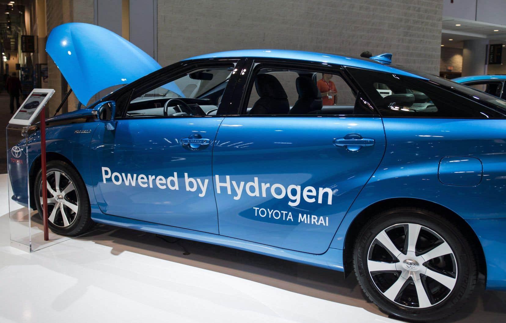 Le projet de deux stations «multiénergies» a été conçu pour répondre au ravitaillement d'une flotte de 50 voitures Mirai de Toyota, louées au gouvernement québécois.