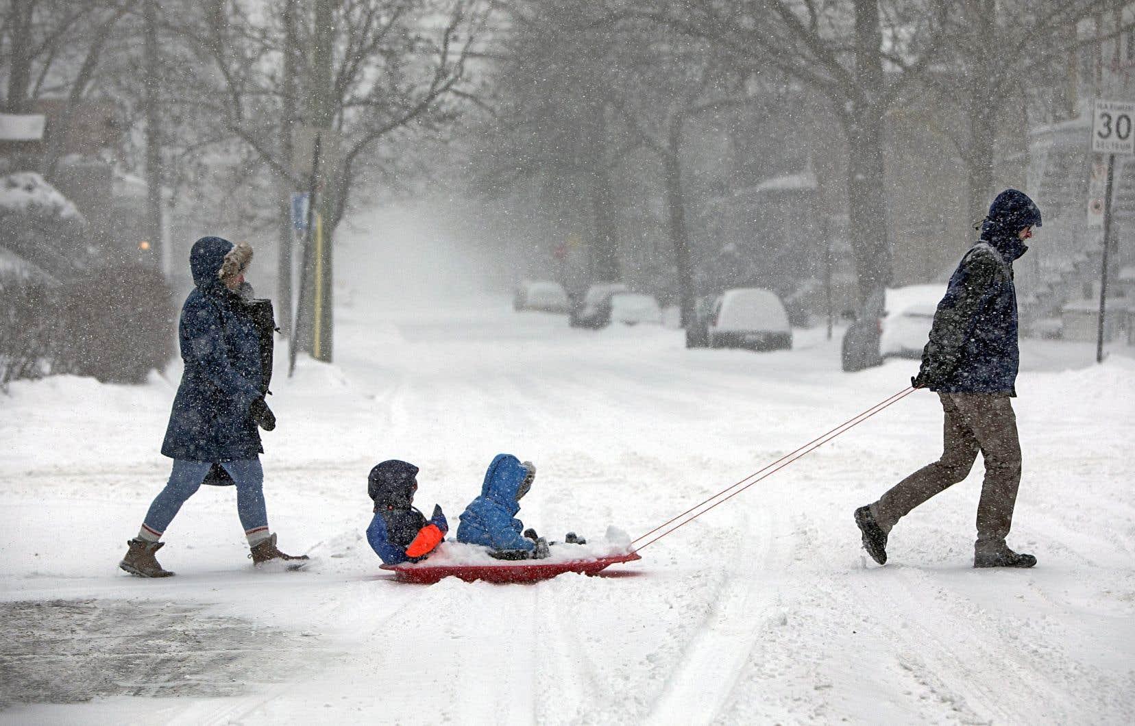 Une vingtaine de centimètres de neige sont tombés sur la métropole dimanche.