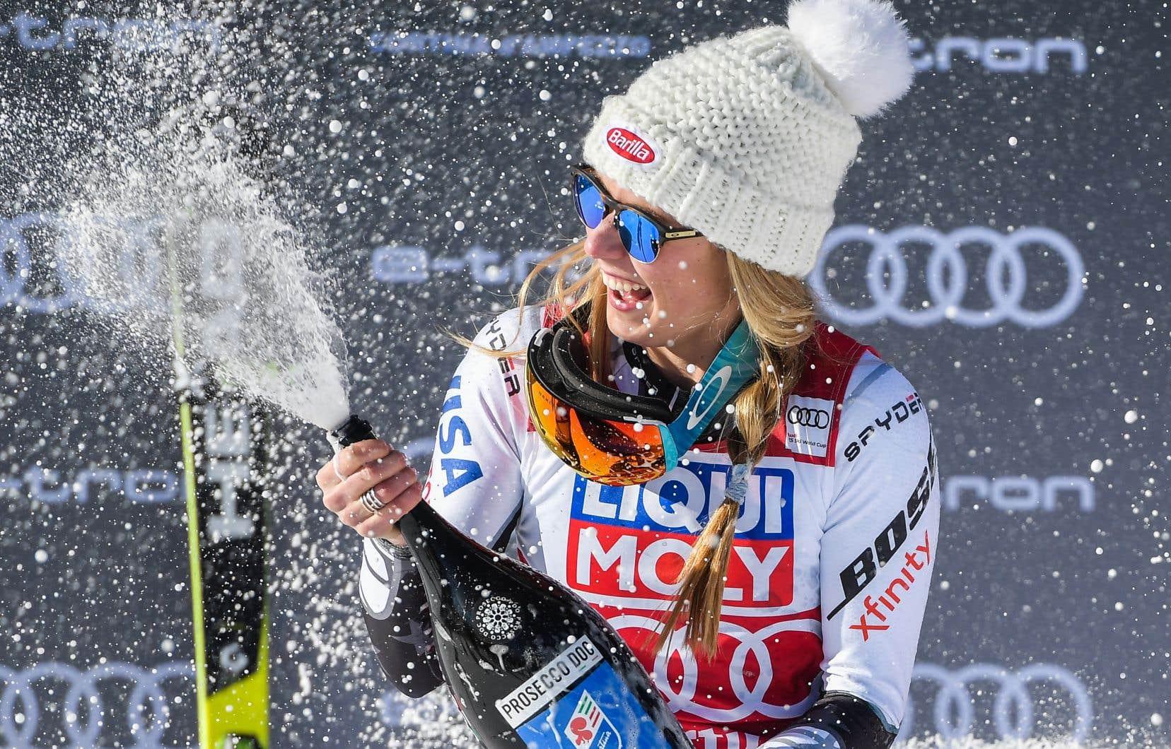 MikaelaShiffrin a terminé avec 0,16 seconde d'avance sur Tina Weirather, du Liechtenstein. L'Autrichienne Tamara Tippler a terminé troisième, à 0,18 seconde.