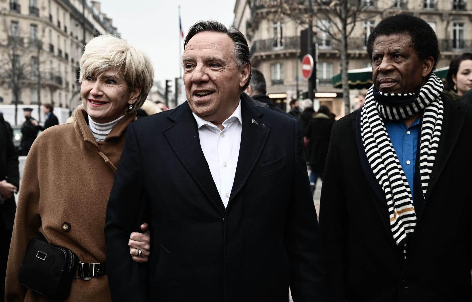 Arrivé dimanche à Paris, François Legault a entamé sa visite par une rencontre avec l'écrivain Dany Laferrière.