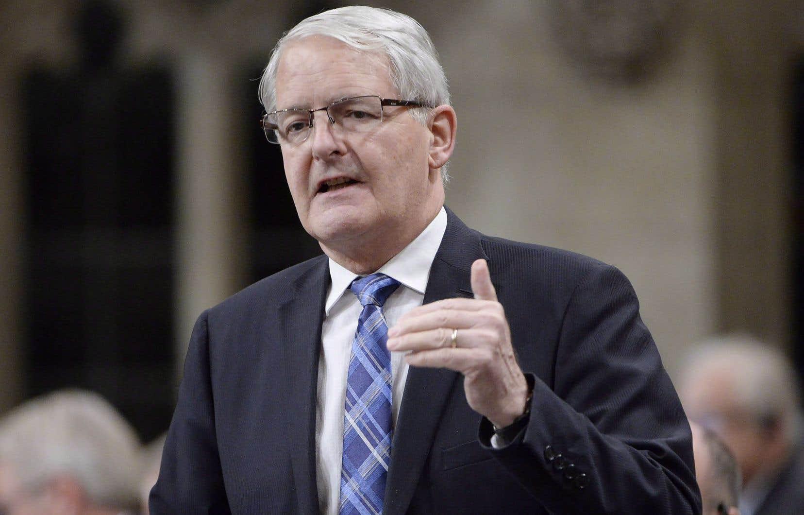 Les ministres des Transports des provinces, ainsi que le ministre des Transports fédéral, Marc Garneau, étaient réunis lundi.