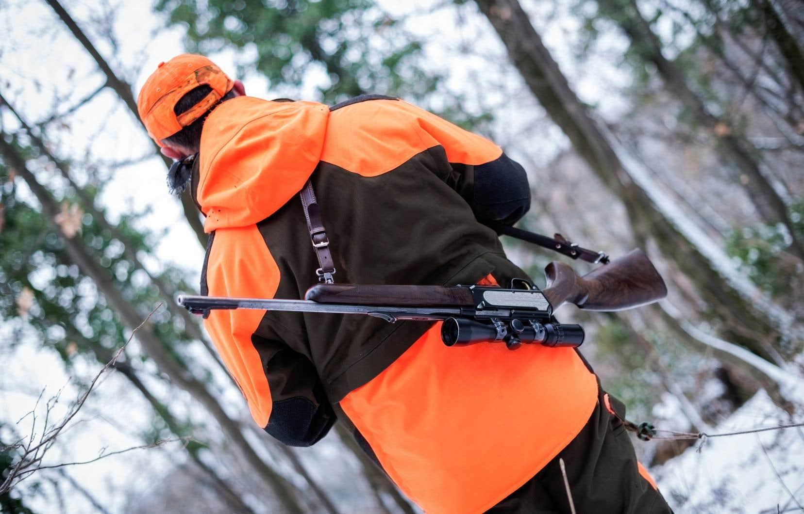 Le gouvernement élimine certaines sources d'irritation afin d'obtenir l'adhésion des chasseurs.