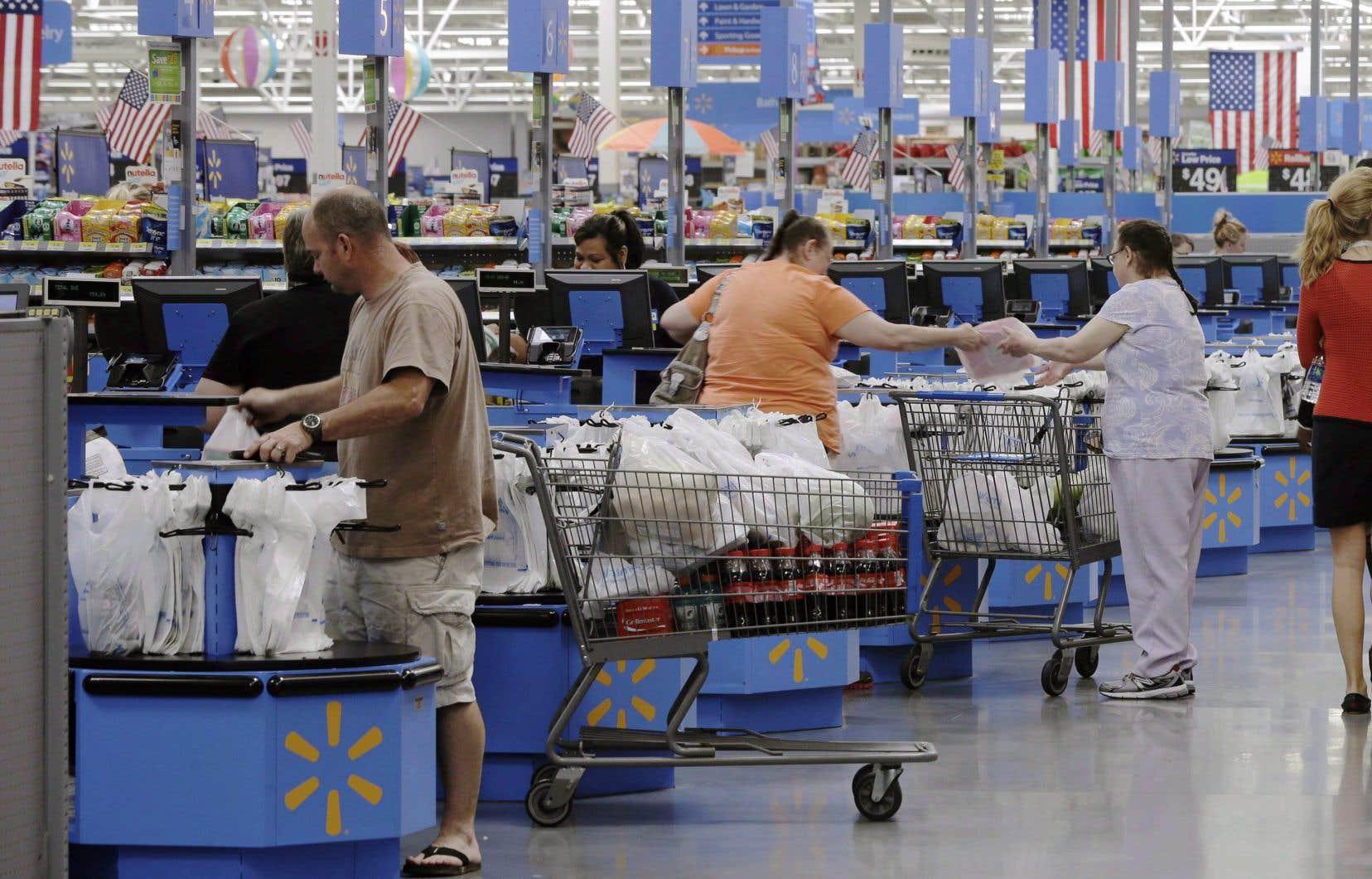 Le géant du commerce au détail souhaite réduire les sacs de plastique aux caisses de 50% supplémentaire d'ici 2025.
