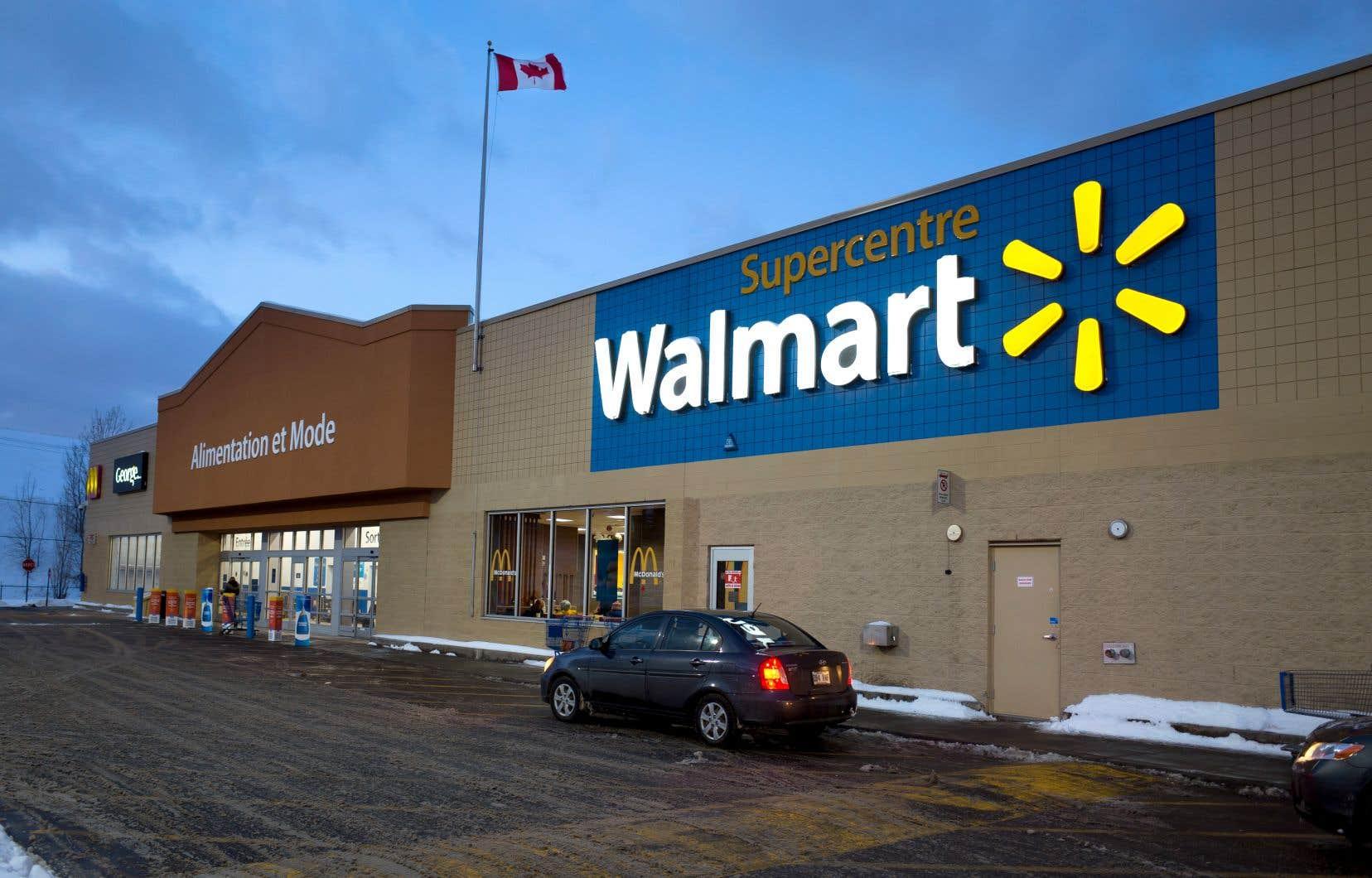 Walmart veut éliminer les pailles de plastique non réutilisables et les remplacer par des articles en papier d'ici 2020.