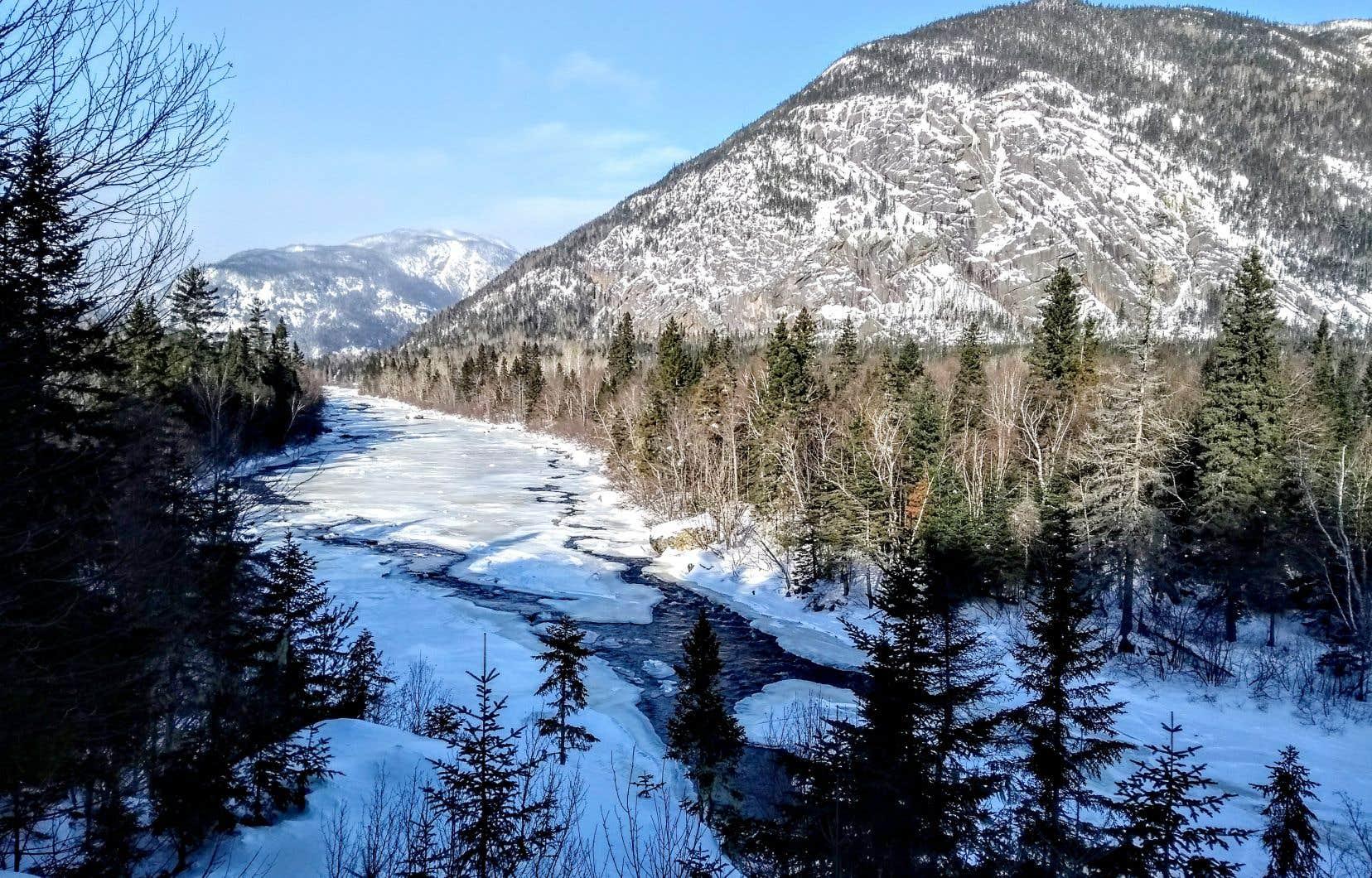 Froid piquant et beau temps sur la rivière Malbaie