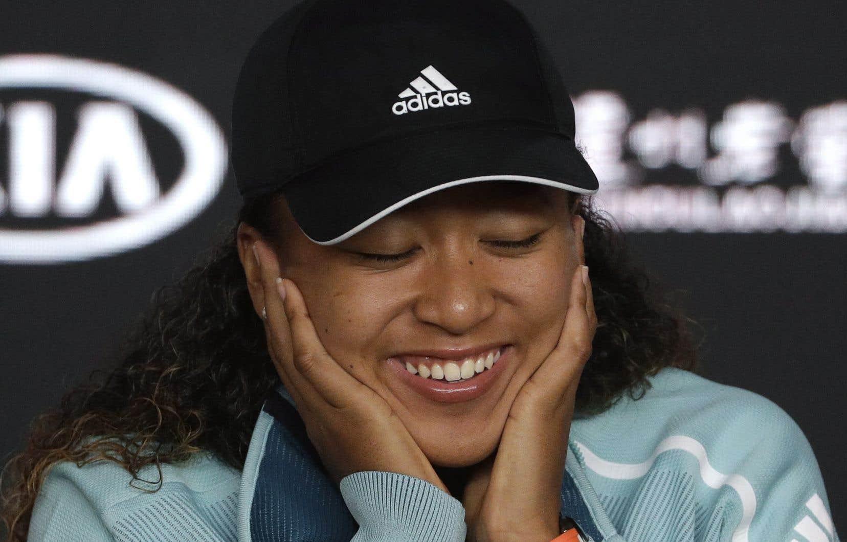 Naomi Osaka s'est qualifiée pour la finale des Internationaux d'Australie grâce à une victoire de 6-2, 4-6, 6-4 contre la Tchèque Karolina Pliskova jeudi soir.