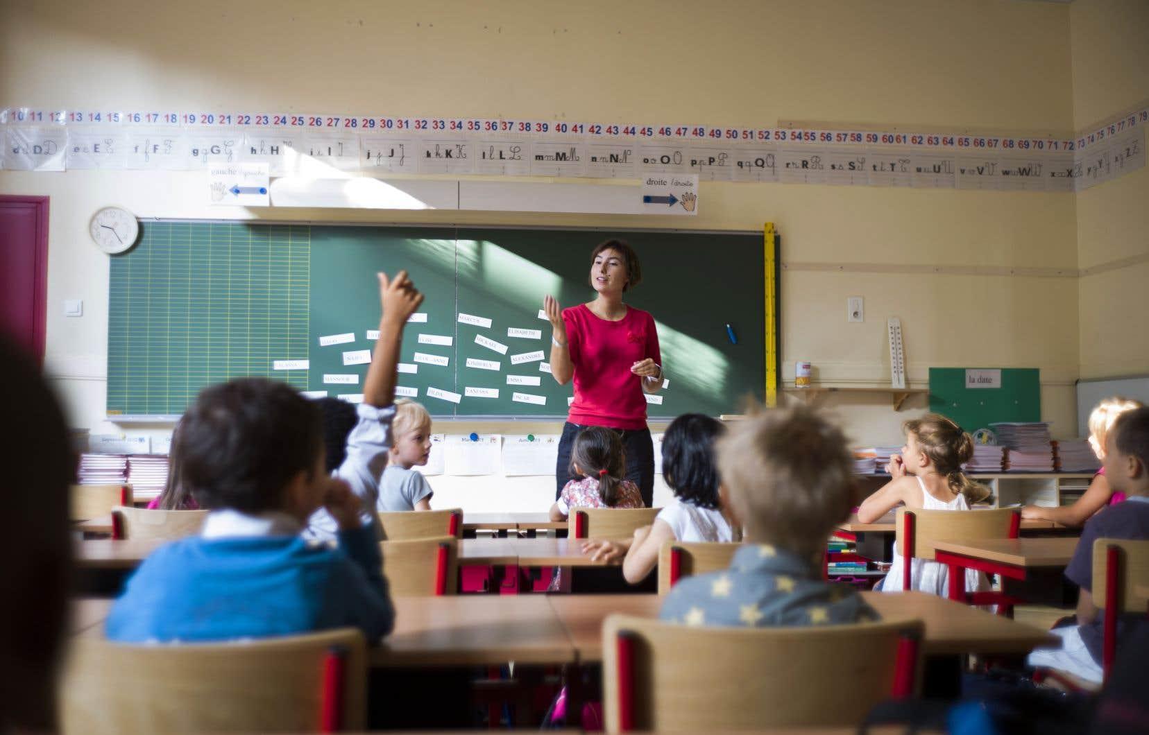 Ce colloque, qui célébrera le 100eanniversaire de l'Alliance des professeurs, doit regrouper une quarantaine de conférenciers de renom, dont Françoise David et le DrJean-François Chicoine.