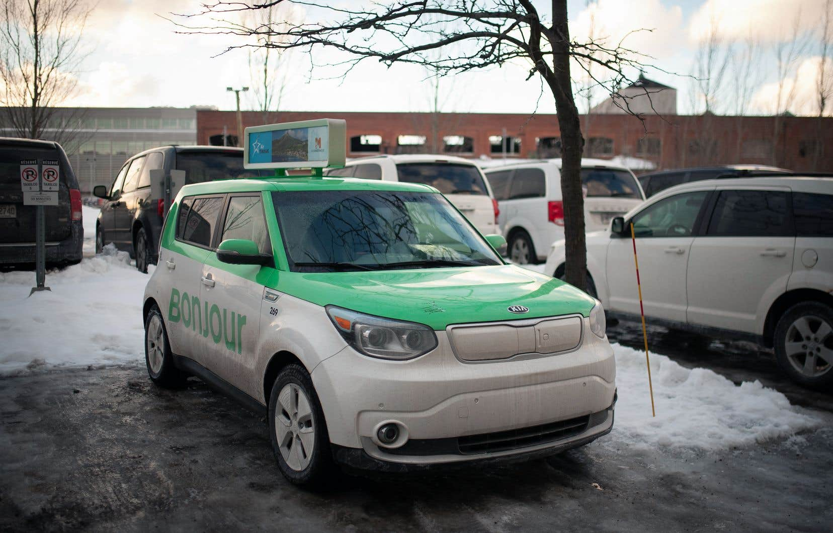 Reposant sur un modèle de chauffeurs salariés plut?t que des travailleurs autonomes, Téo compte présentement 195 permis de taxi.