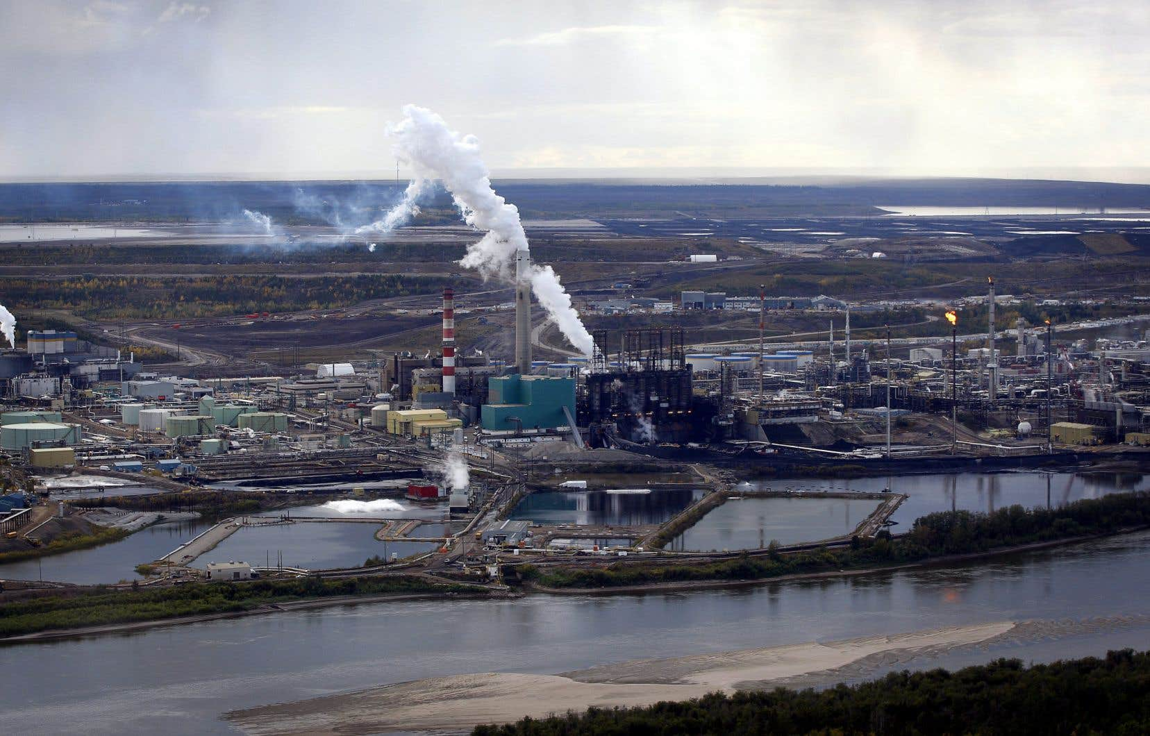 Au cours de la prochaine année, l'agence s'emploiera à mettre au point une évaluation complète des émissions de carbone provenant de ses investissements.