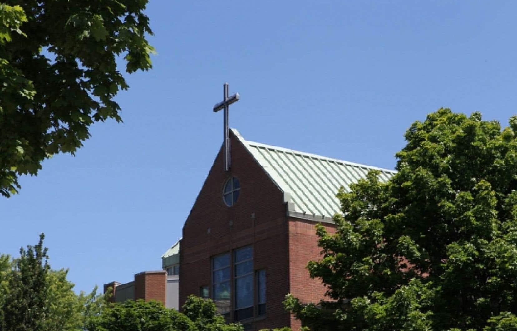 L'école secondaire privée Loyola est prête à aller en Cour suprême pour dispenser le cours ECR à sa façon.<br />