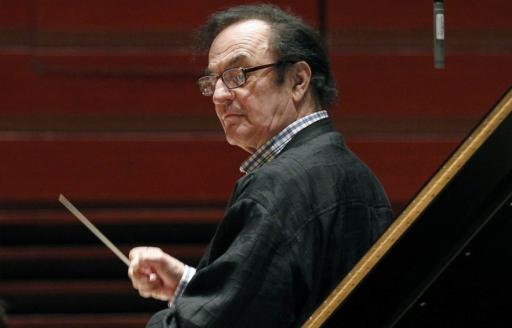 Charles Dutoit a déjà dirigé l'Orchestre national de France et son retour sur scène à Paris, dimanche, n'a pas encore causé de commotion en France.