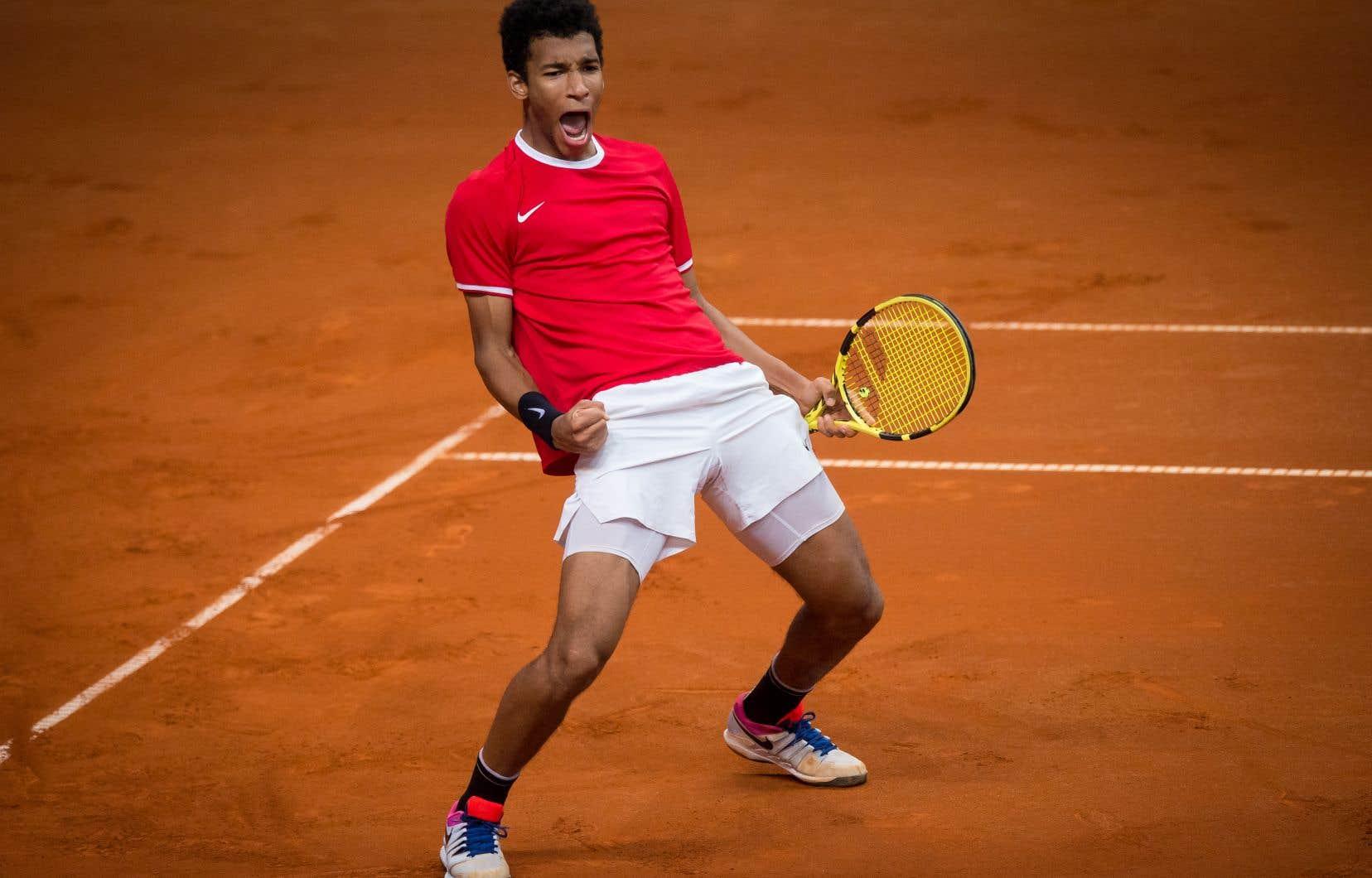 Félix Auger-Aliassime a permis au Canada d'accéder à la finale de la Coupe Davis grâce à sa victoire face au Slovaque Norbert Gombos (6-3, 6-4).