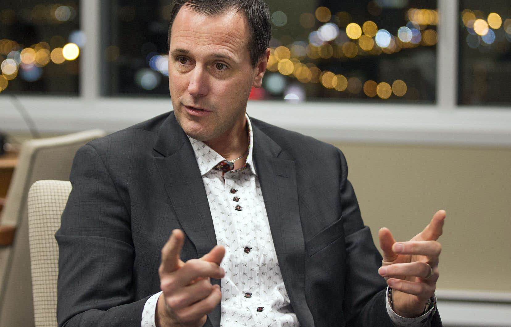 Le ministre de l'Éducation, Jean-François Roberge, compte profiter des négociations à venir sur le renouvellement de la convention nationale des enseignants — qui vient à échéance en mars 2020 — pour augmenter de 8000$ le salaire initial dans la profession, qui passera de 45 000$ à 53 000$.