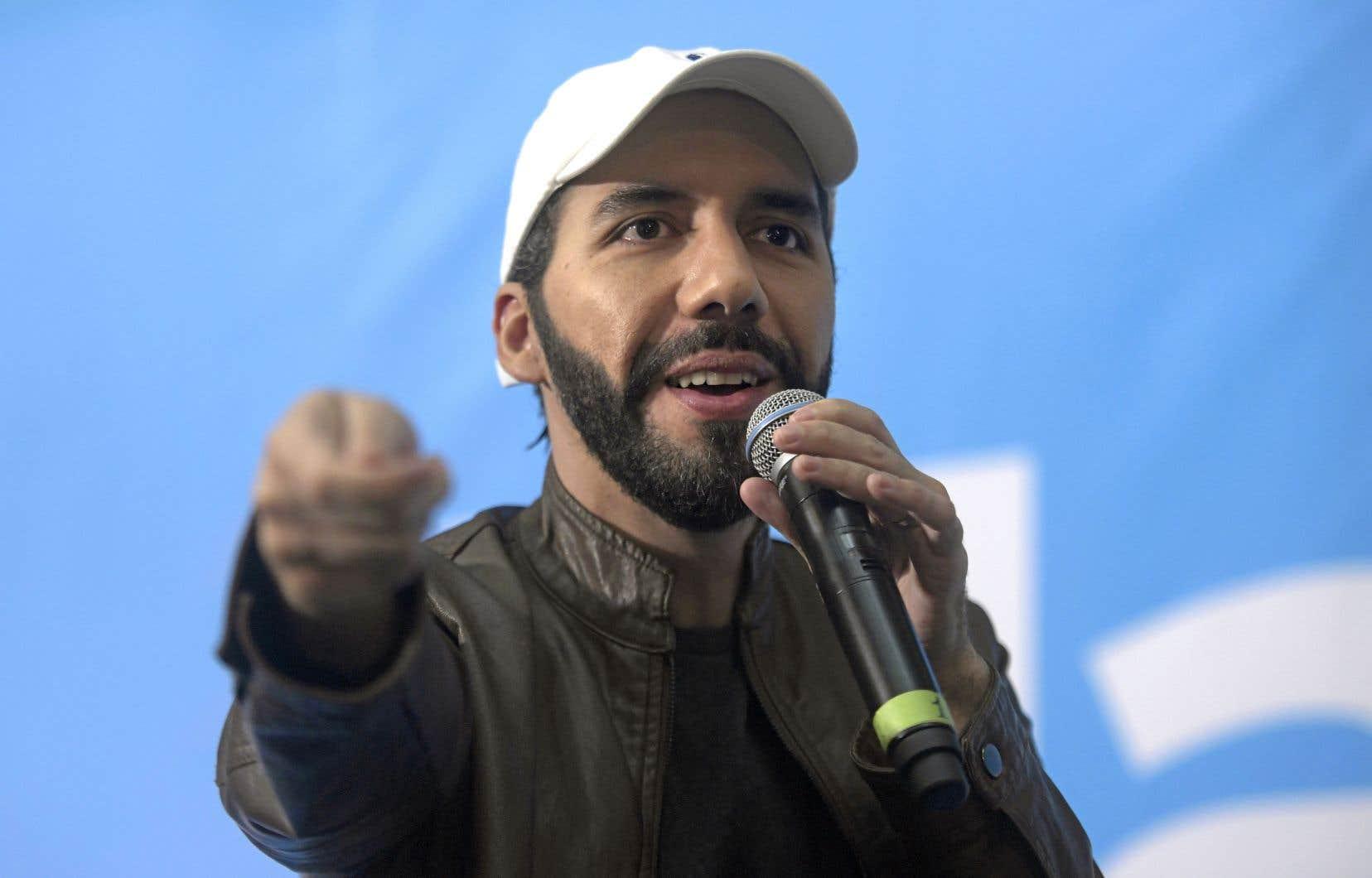 Maire de San Salvador entre 2015 et 2018, Nayib Bukele a été élu dimanche dès le premier tour avec 54% des voix.