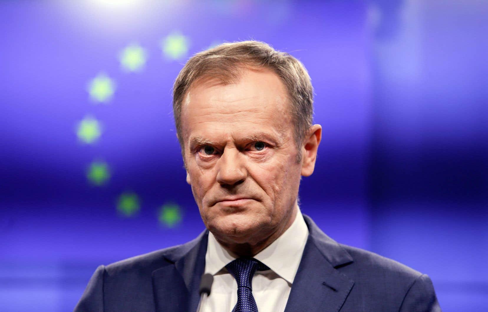 La déclaration du président de la Commission européenne, Donald Tusk, a fait de l'ombre à sa rencontre avec le premier ministre irlandais, mercredi, à Bruxelles.