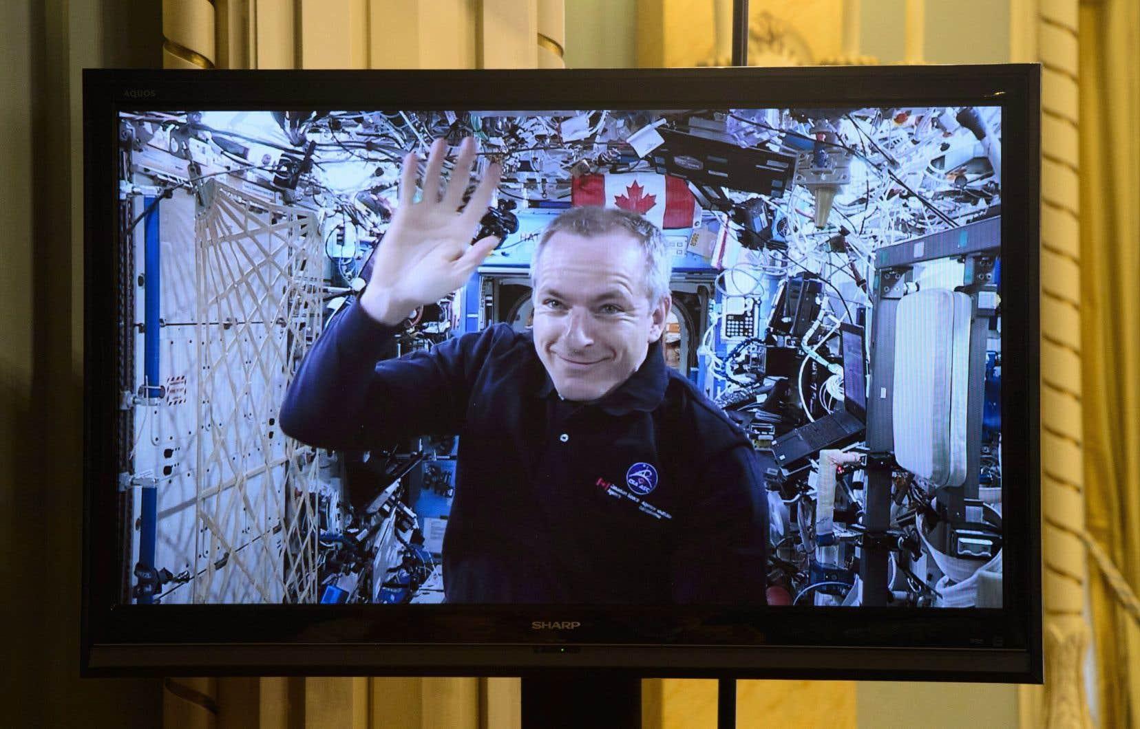 David Saint-Jacquesest arrivé à la station spatiale le 3décembre pour une mission qui devrait durer jusqu'en juin.