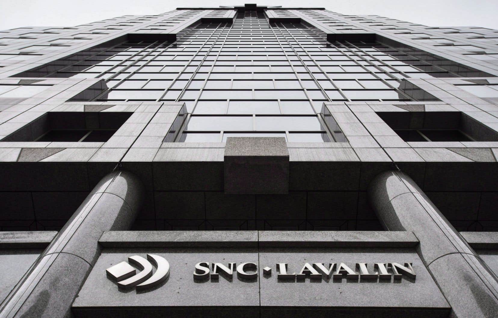 Le premier ministre presse Ottawa de permettre à la firme SNC-Lavalin de payer des «pénalités importantes» et de passer à autre chose.