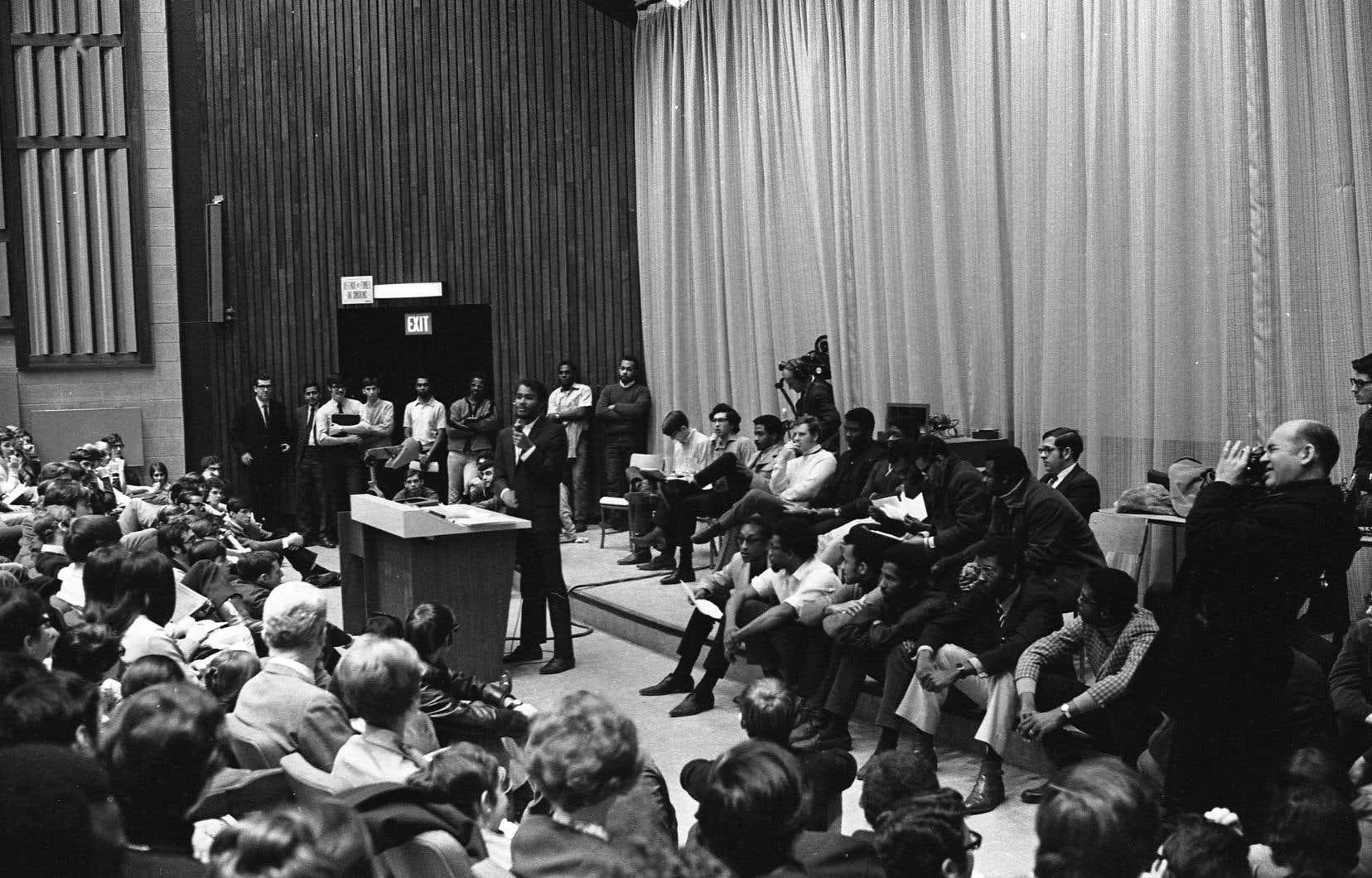 Image d'archives tirée du film «Neuvième étage», de Mina Shum