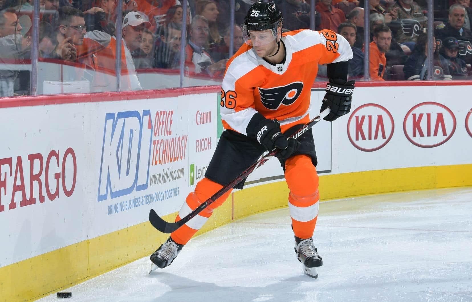 ChristianFolin a disputé 26 matchs cette saison avec les Flyers, totalisant deux aides. Le Suédois présente un différentiel de plus-21.